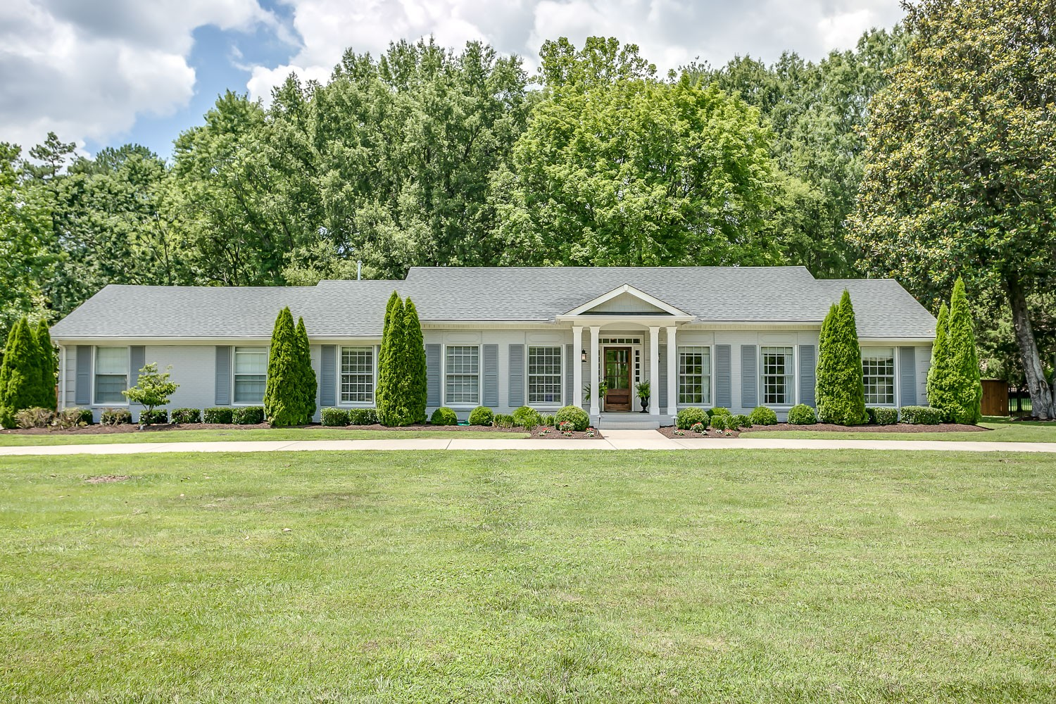 5102 Seward Rd Property Photo