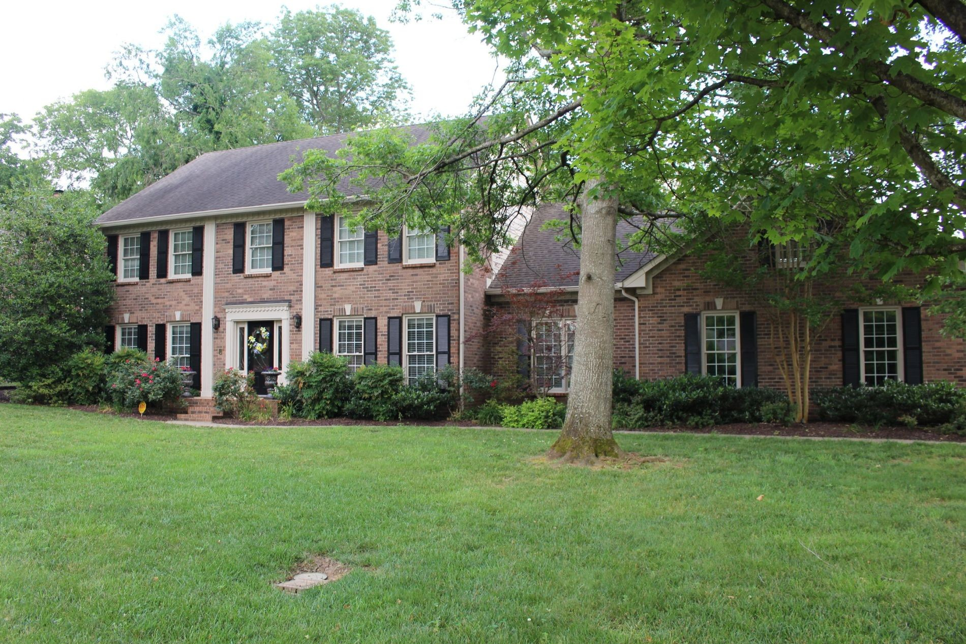 2127 Riverbend Dr Property Photo - Murfreesboro, TN real estate listing