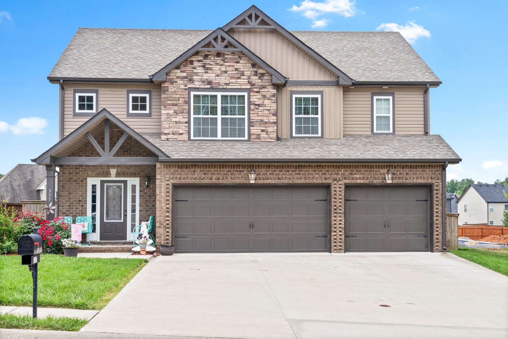 337 Abeline Dr Property Photo - Clarksville, TN real estate listing