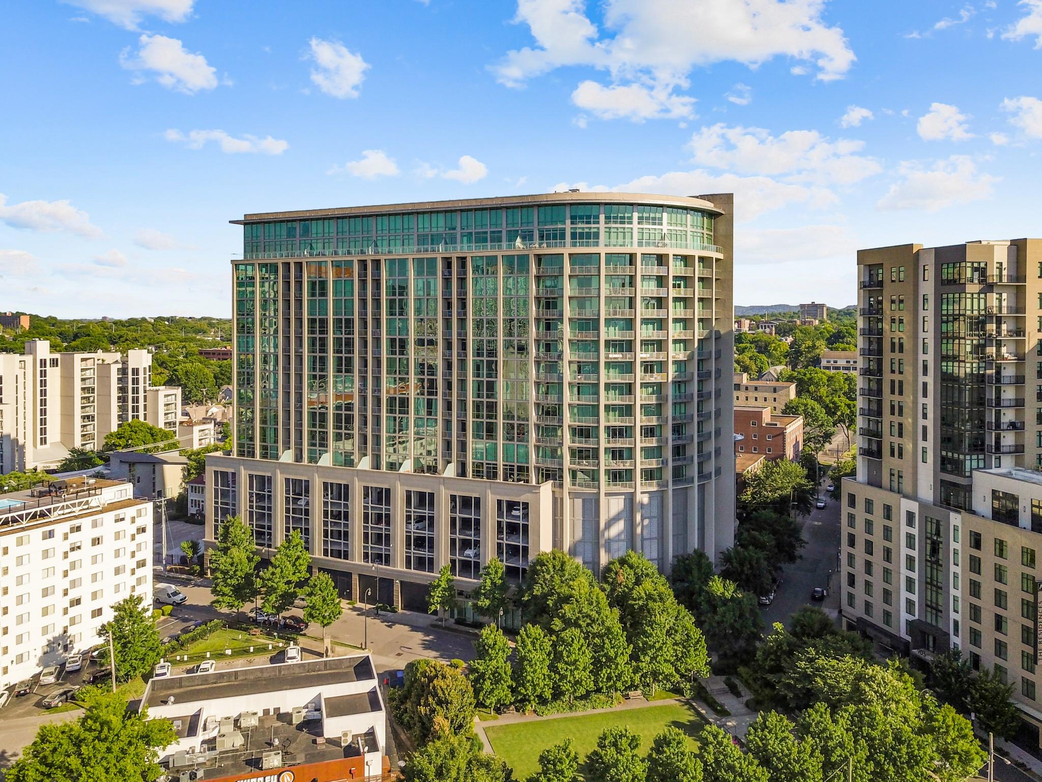 900 20th Ave, S Property Photo - Nashville, TN real estate listing