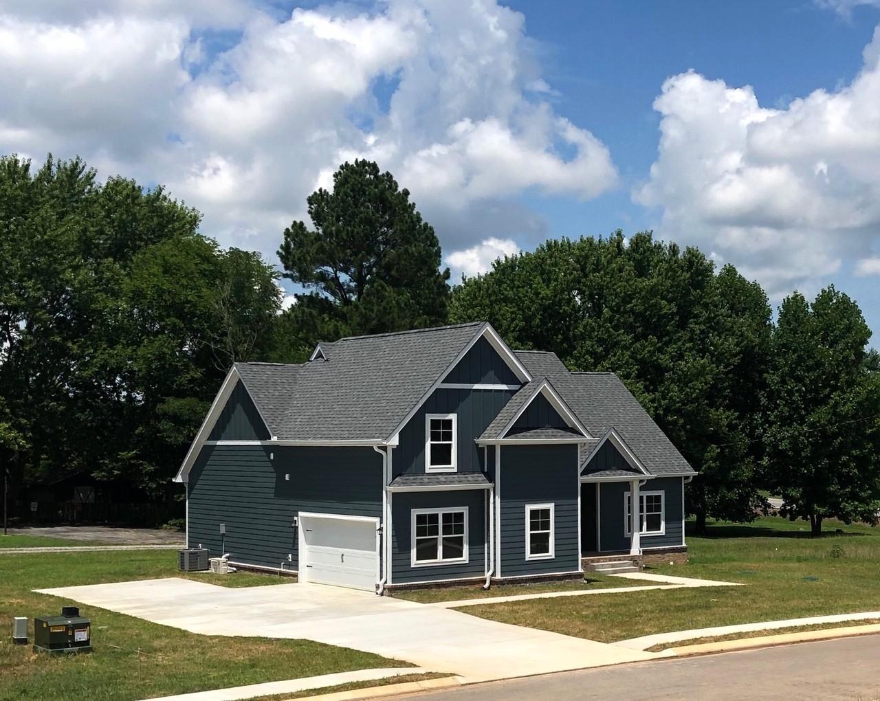 1039 Melvin Drive Property Photo - Cross Plains, TN real estate listing