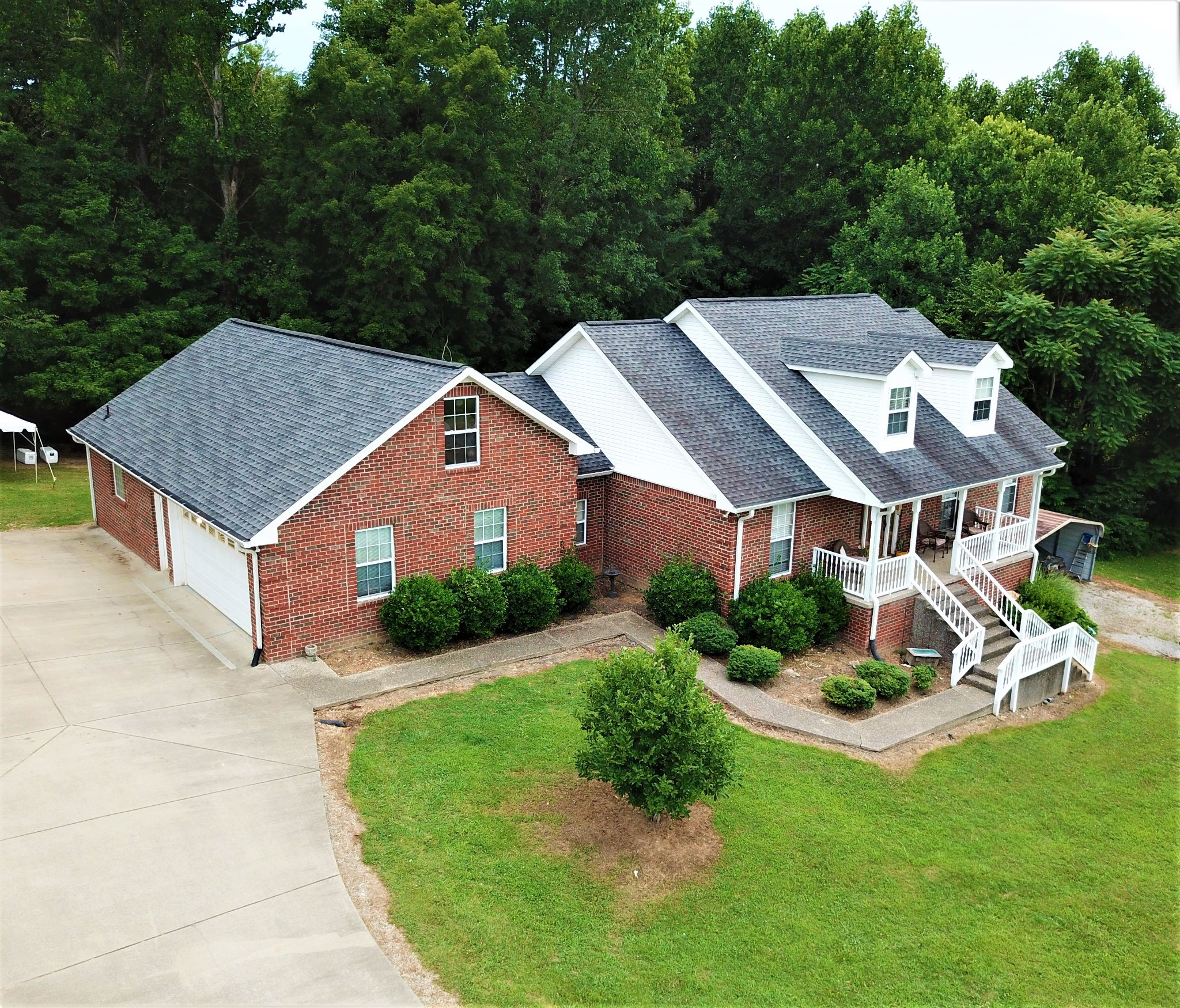 6048 Hill Circle Property Photo - Bon Aqua, TN real estate listing
