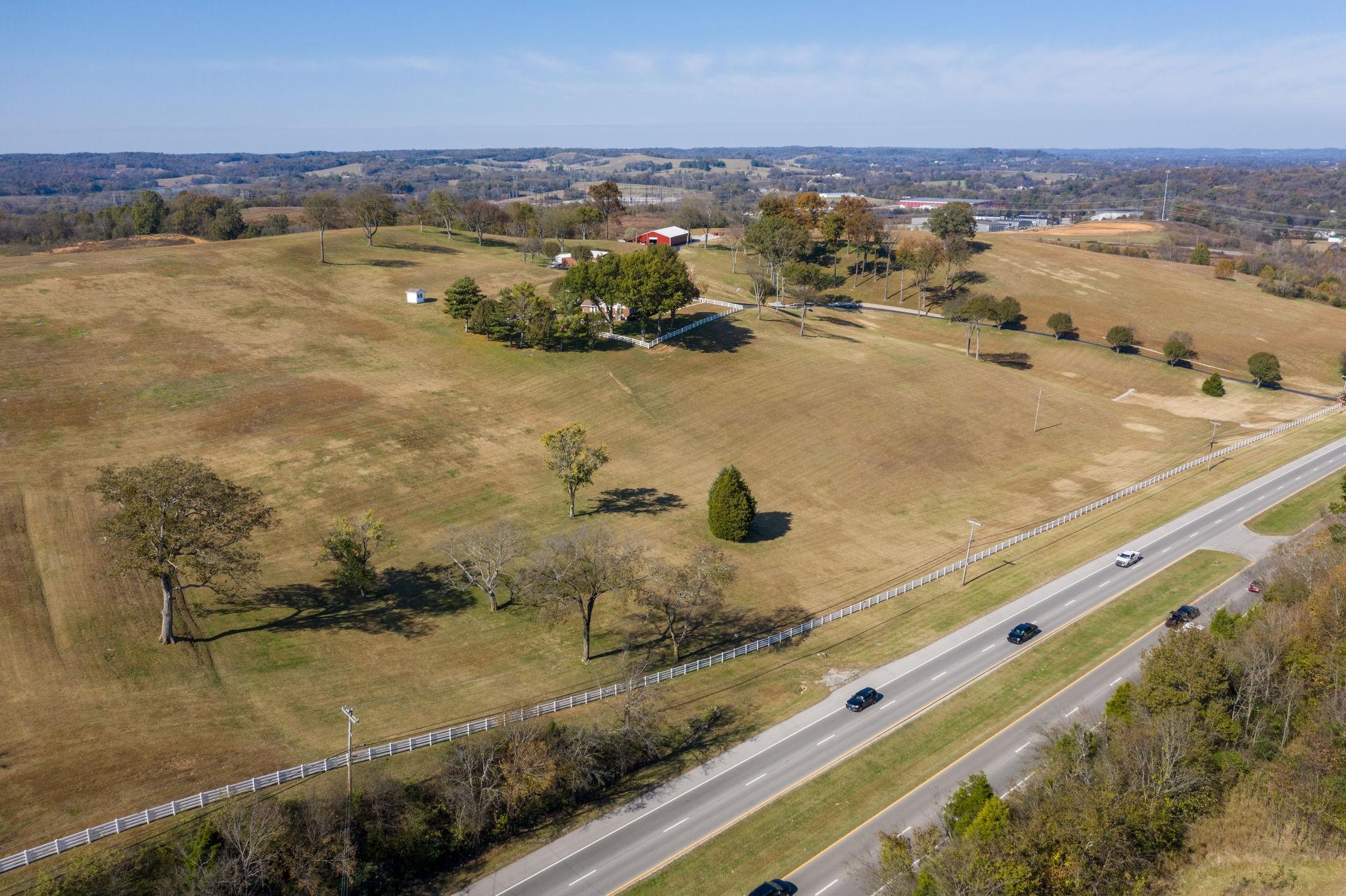 1731 Nashville Hwy Property Photo - Columbia, TN real estate listing
