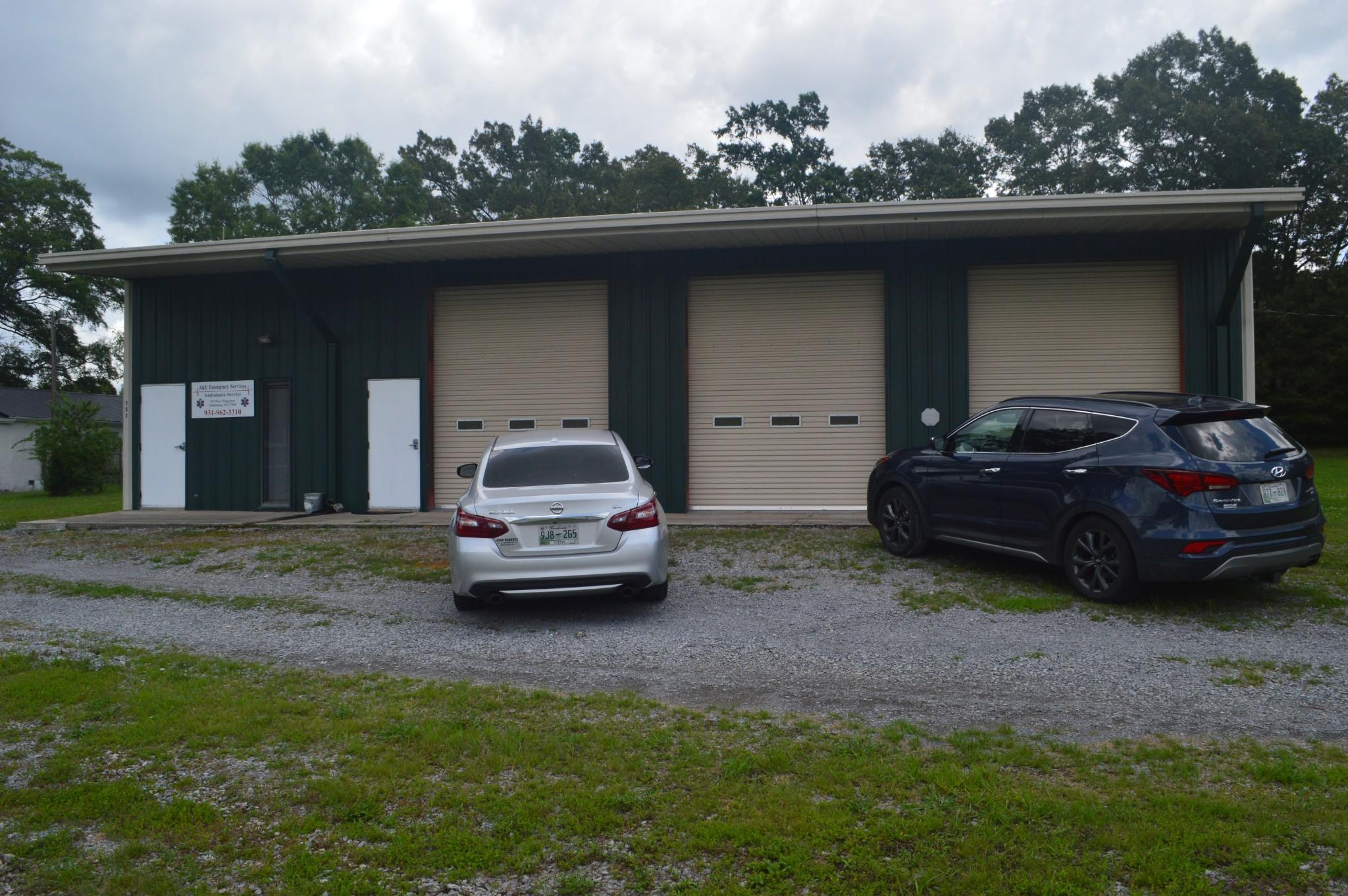 151 W Waggoner St Property Photo - Tullahoma, TN real estate listing