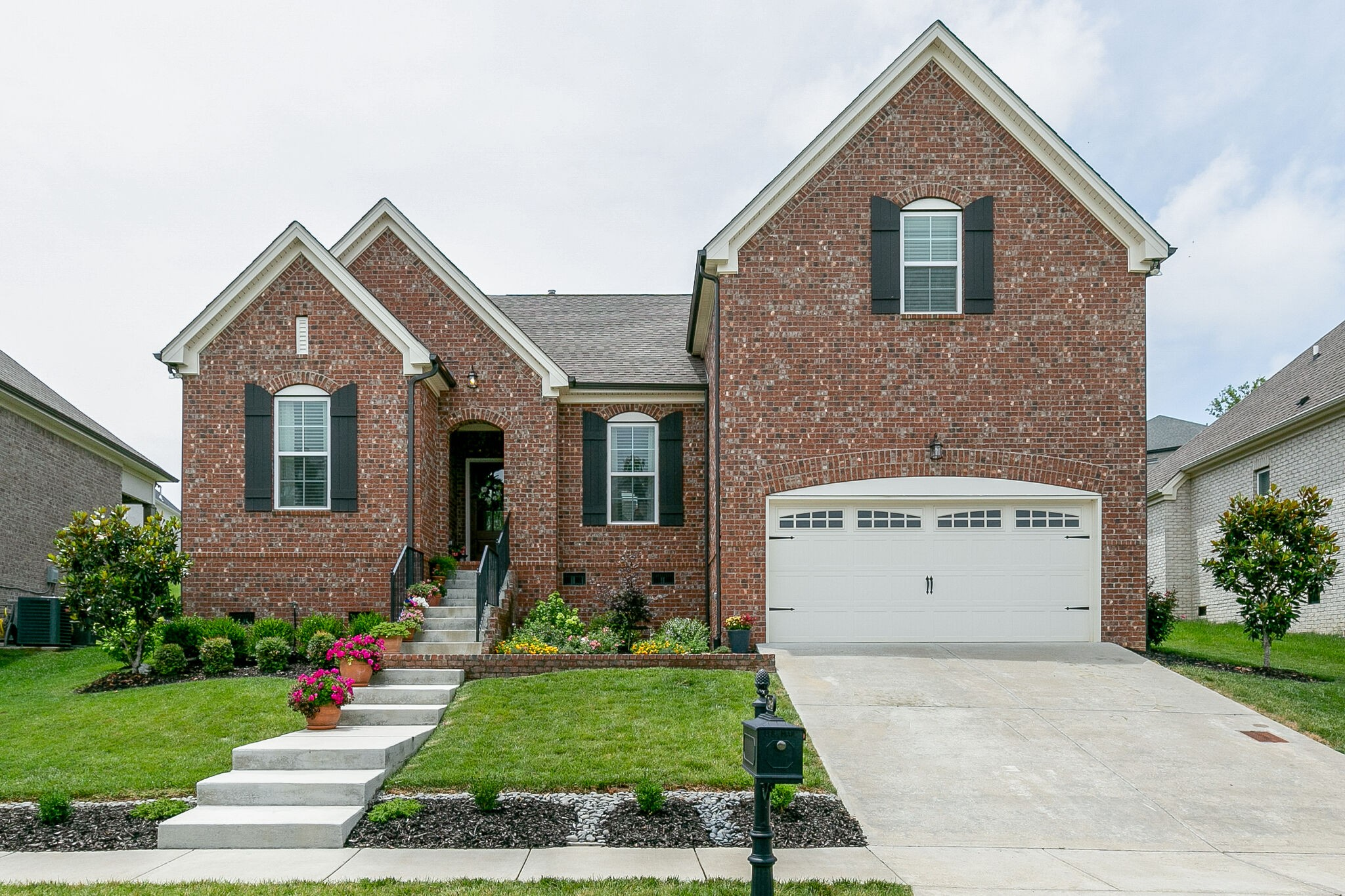 2649 Paddock Park Dr Property Photo - Thompsons Station, TN real estate listing