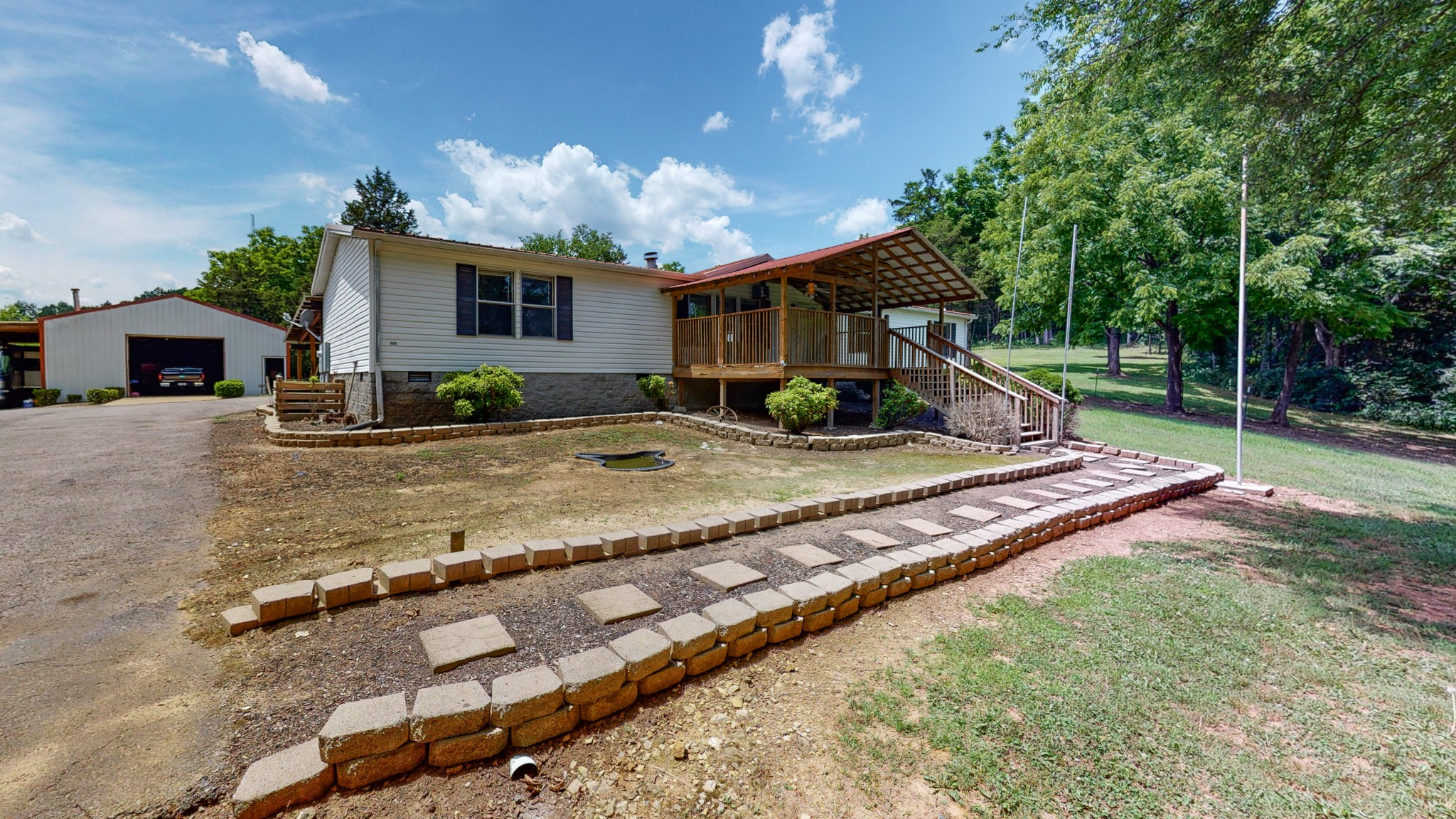 1032c Louisville Hwy Property Photo