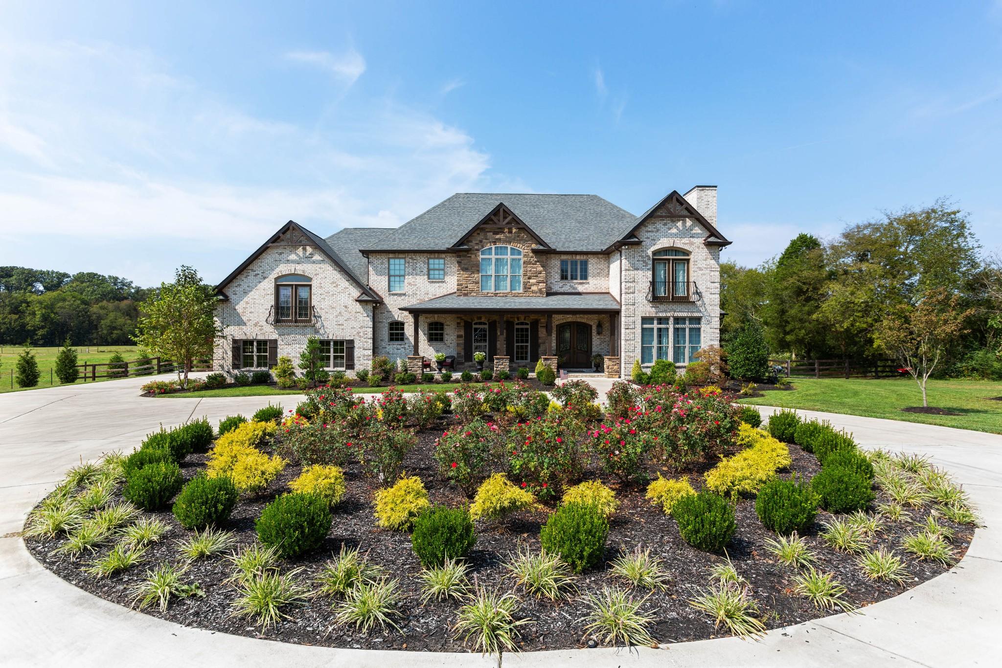 271 Kirk Ln Property Photo - Gallatin, TN real estate listing