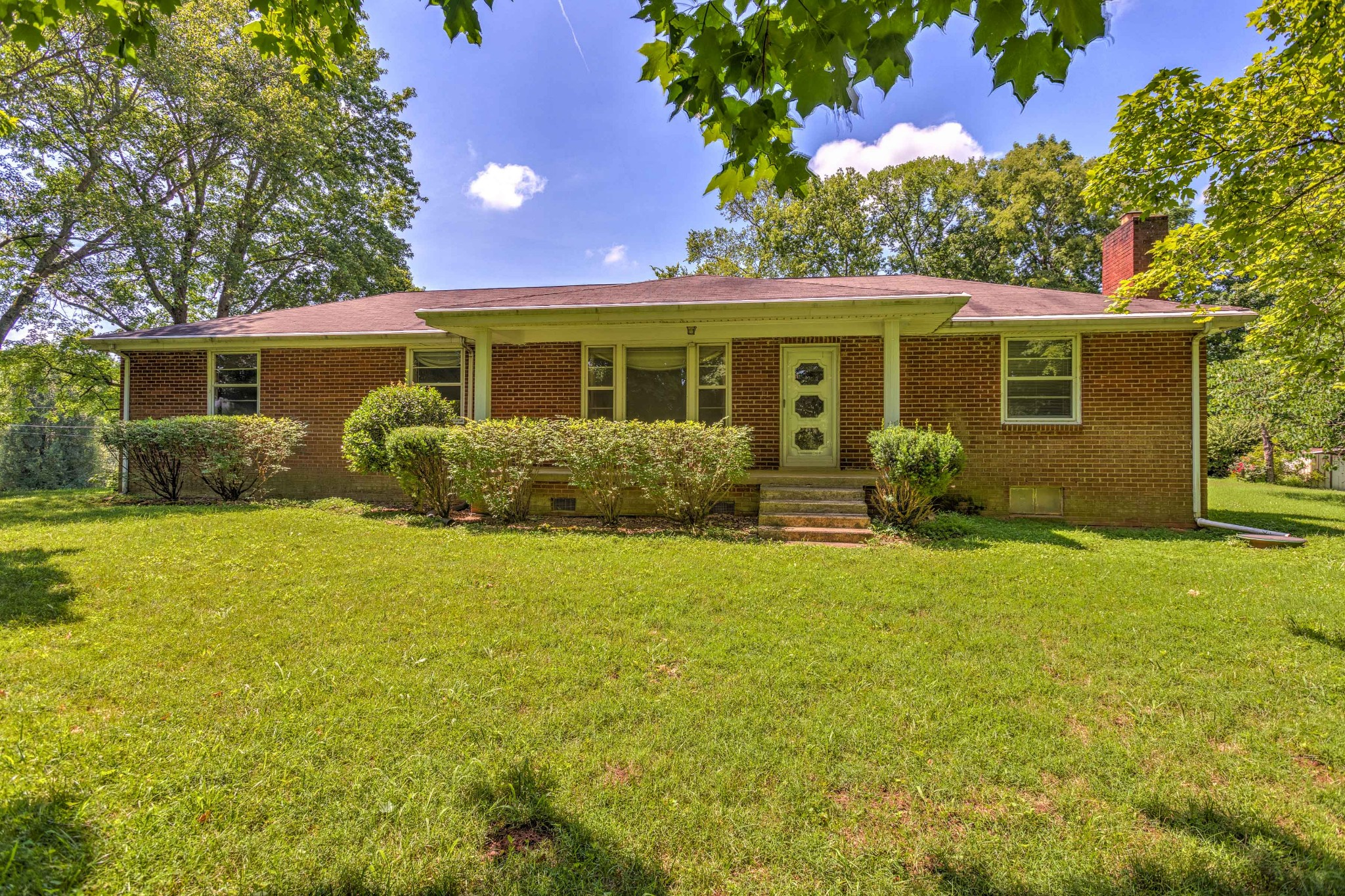 704 Edmondson Pike Property Photo - Brentwood, TN real estate listing