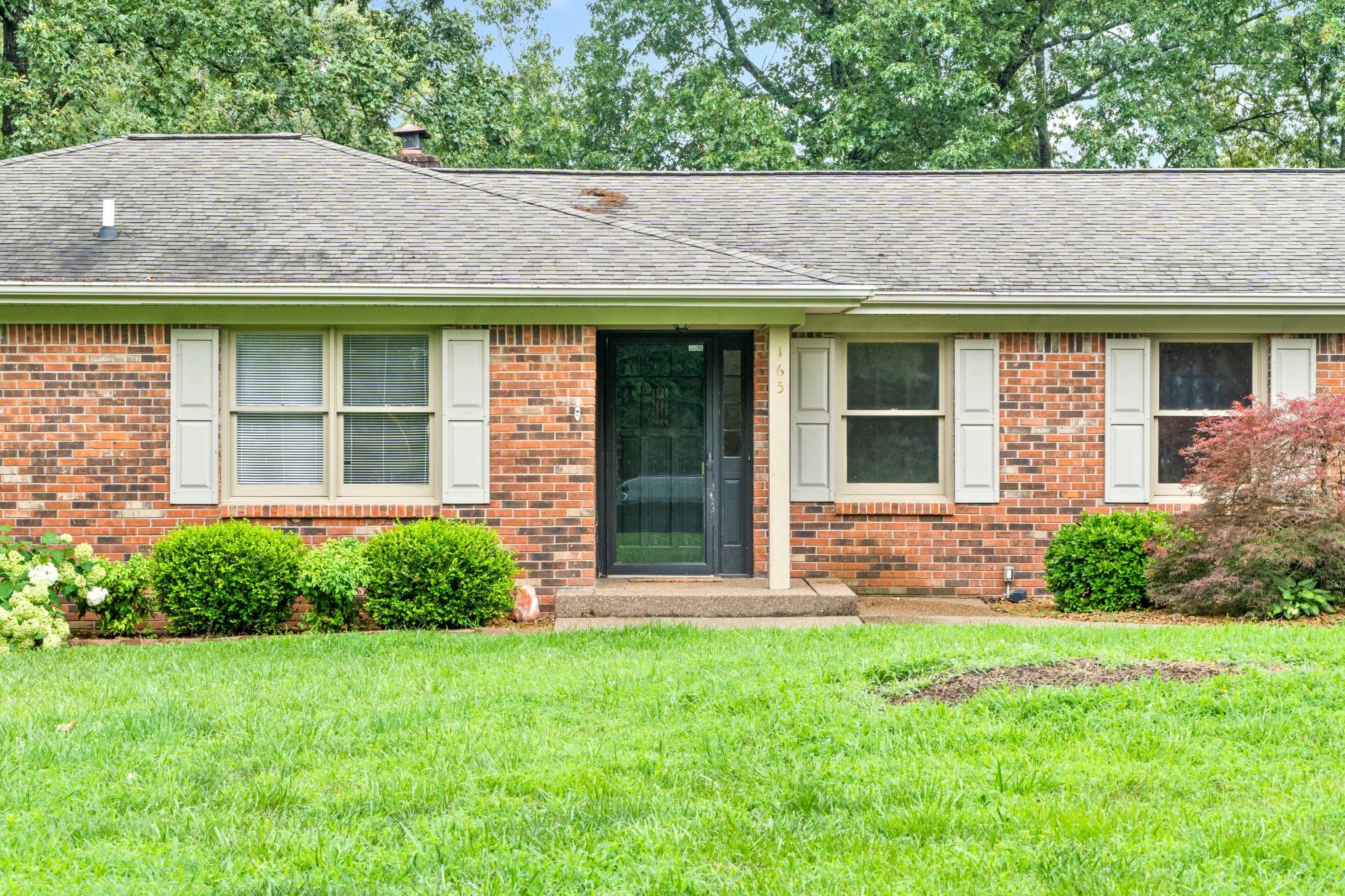165 Deepwood Est Property Photo - Cadiz, KY real estate listing