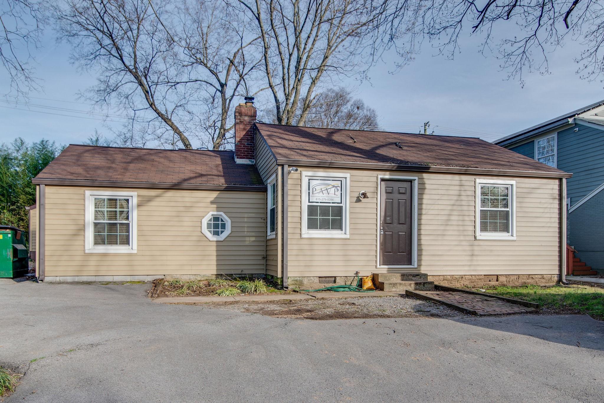 630 W Iris Dr Property Photo - Nashville, TN real estate listing