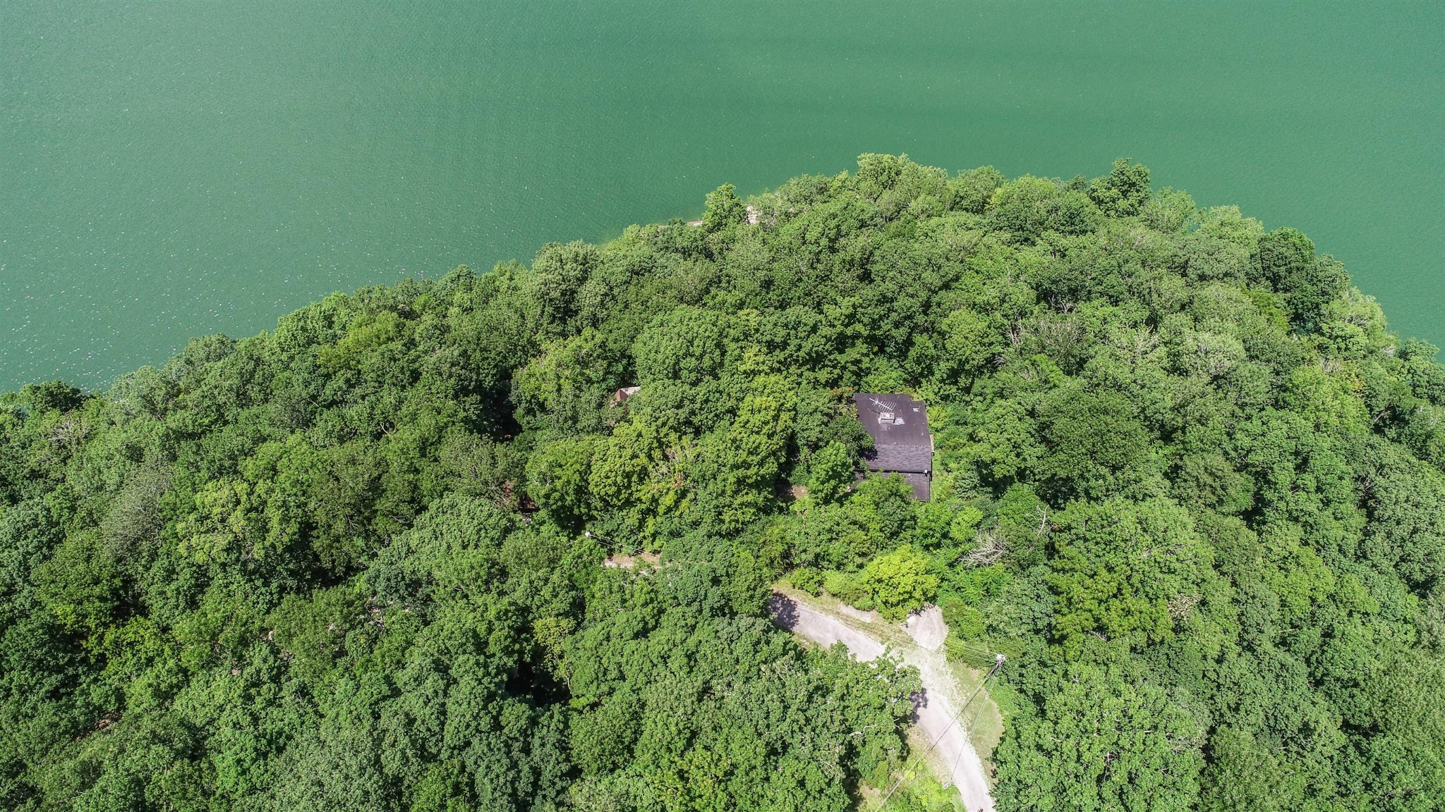 12 Blackberry Hill Rd Property Photo - Silver Point, TN real estate listing