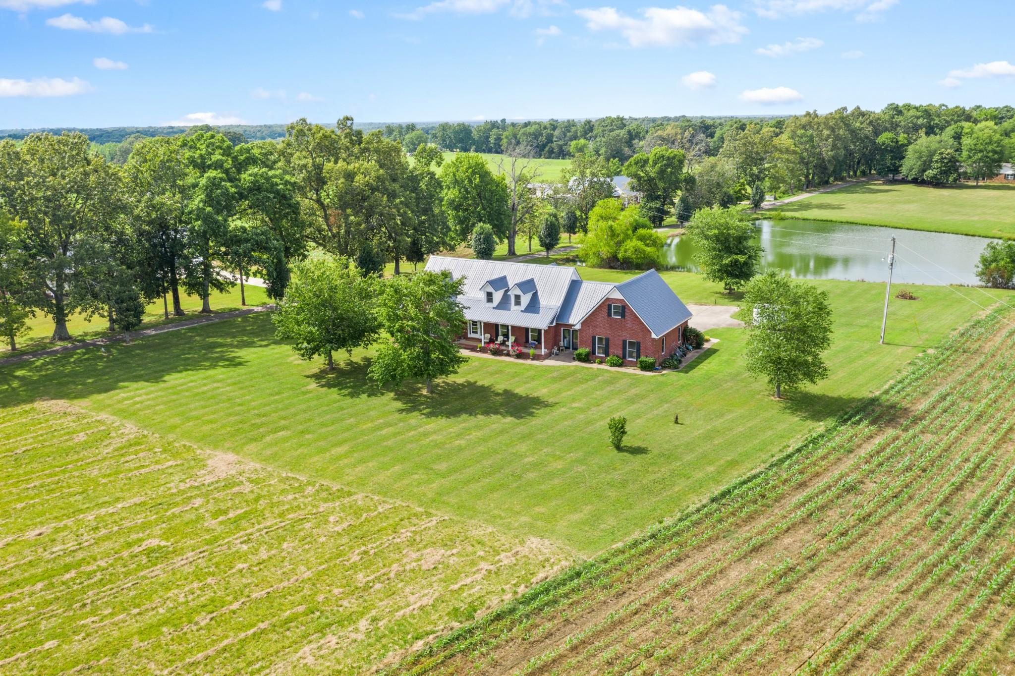 3018 Old Nashville Highway 3018 Property Photo - MC EWEN, TN real estate listing