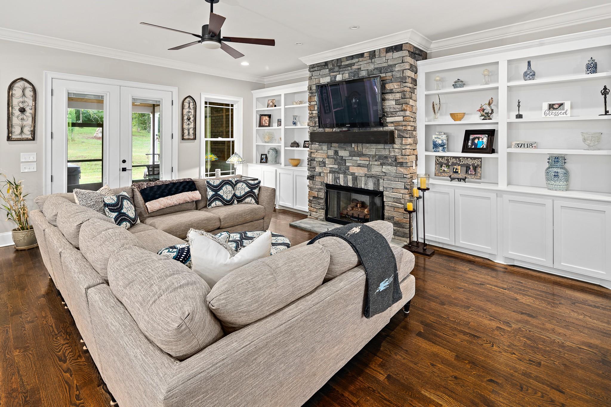 37118 Real Estate Listings Main Image