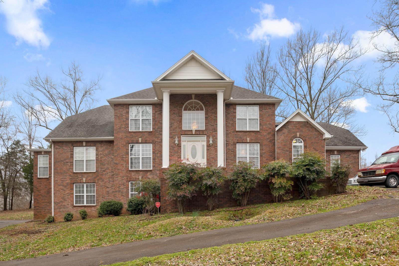 1007 Deer Branch Ln Property Photo - Greenbrier, TN real estate listing