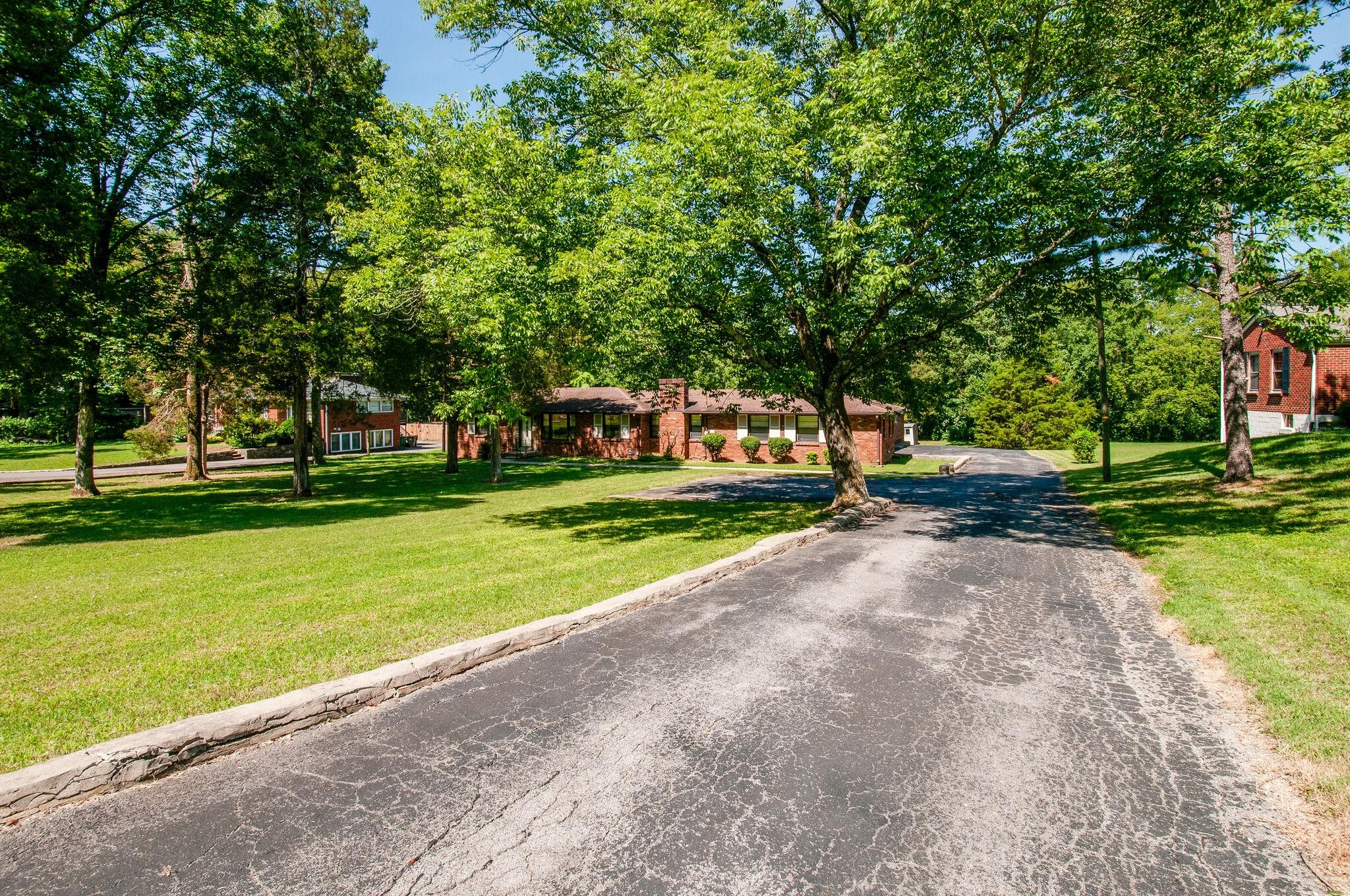 713 N Graycroft Ave Property Photo - Madison, TN real estate listing