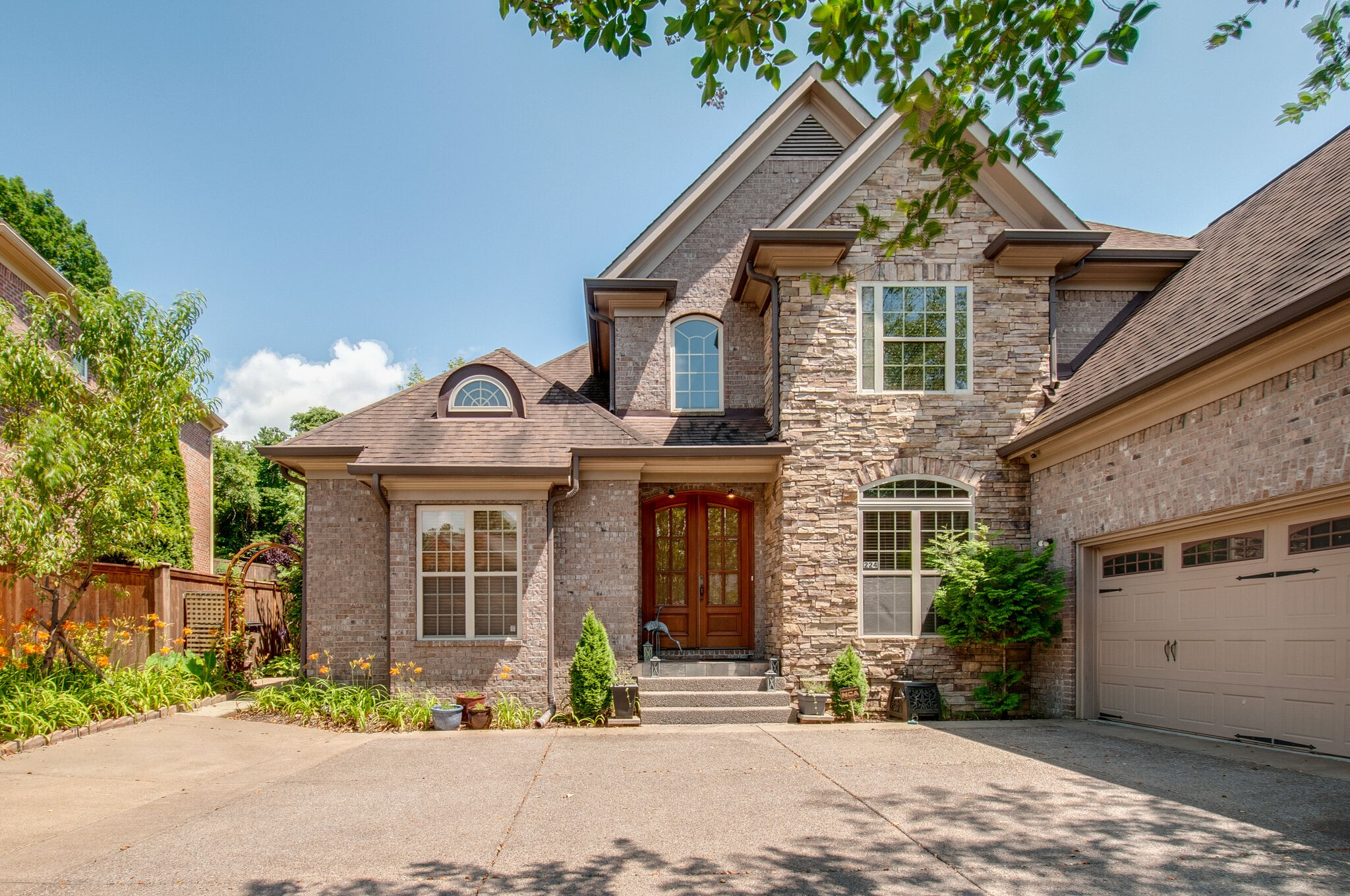 224 Valley Bend Drive Property Photo - Nashville, TN real estate listing