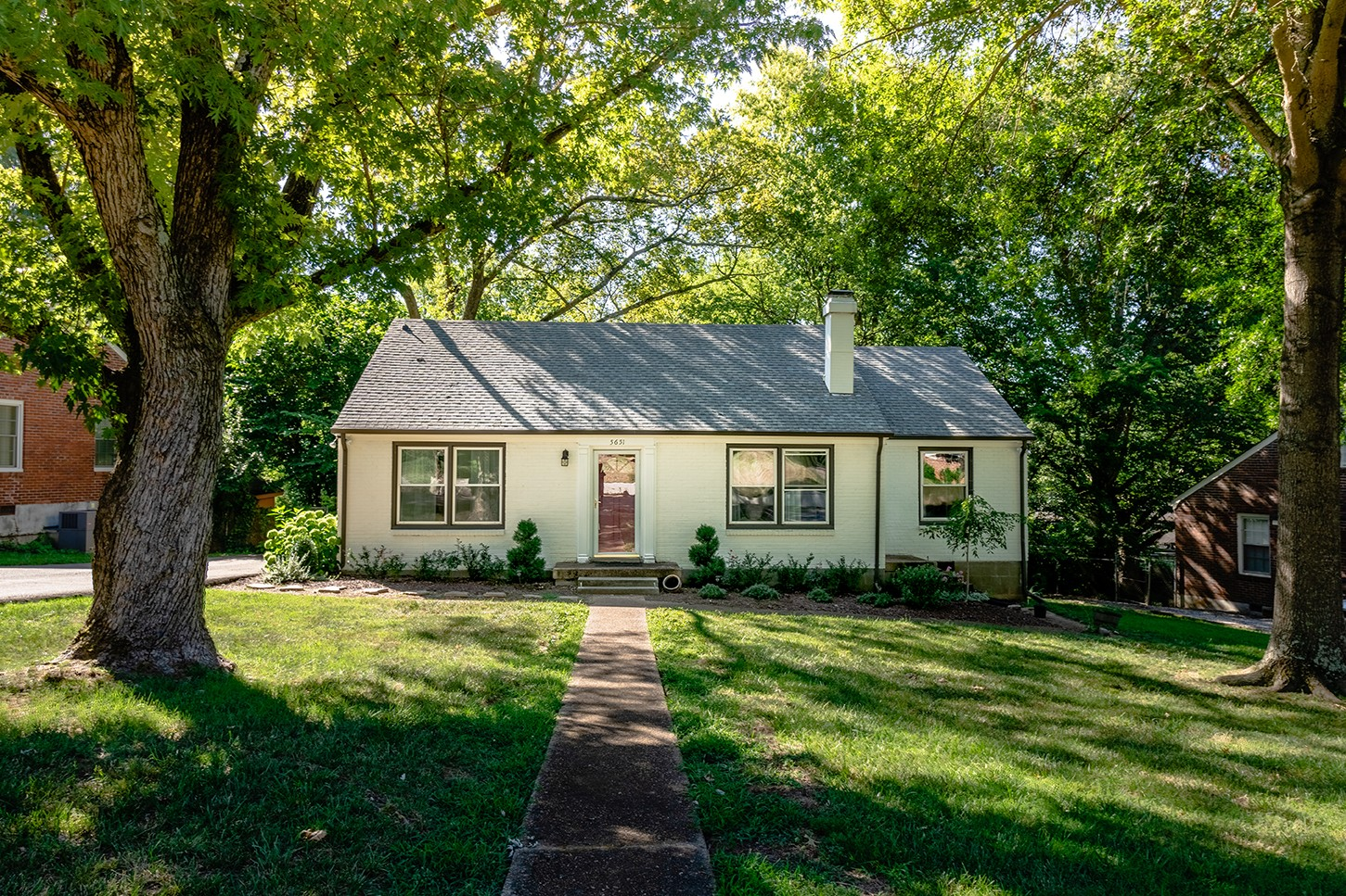 5651 Kendall Dr Property Photo - Nashville, TN real estate listing