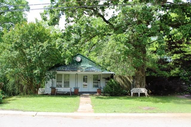 210 Bluff St Property Photo