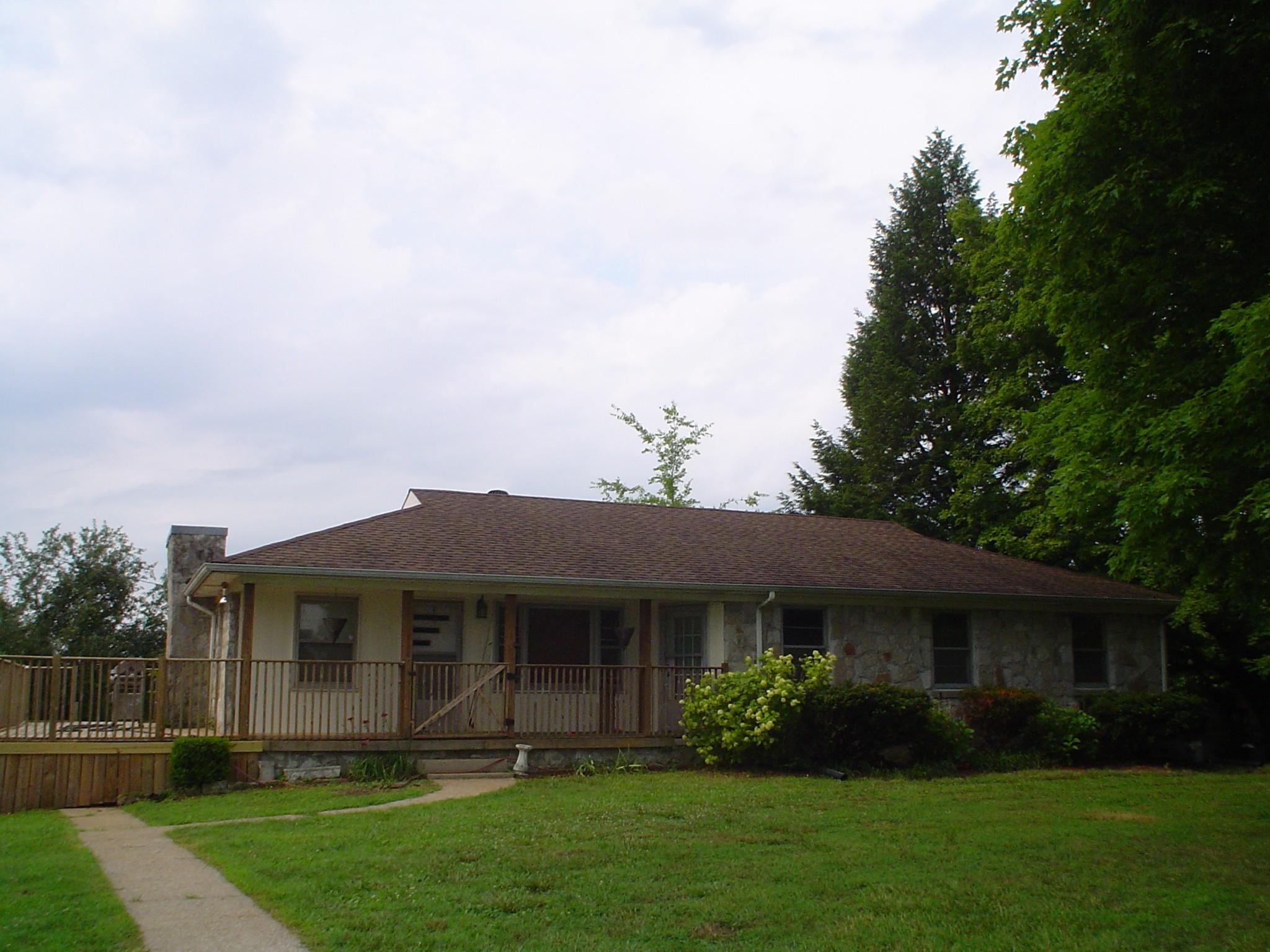 4183 Bledsoe Street, W Property Photo - Westmoreland, TN real estate listing