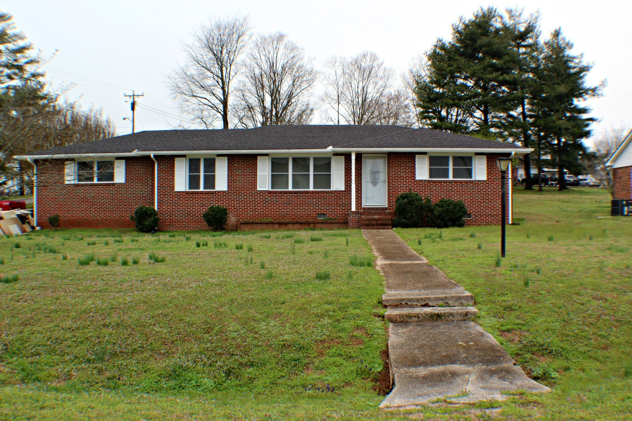 301N 2nd Ave N Property Photo - Decherd, TN real estate listing
