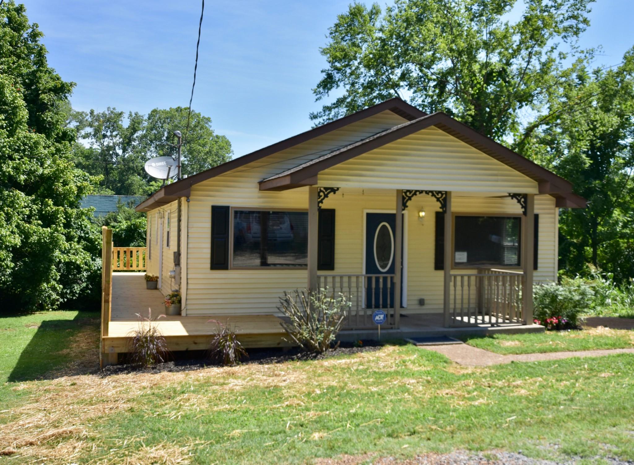 5805 Mackie Pl Property Photo - Nashville, TN real estate listing