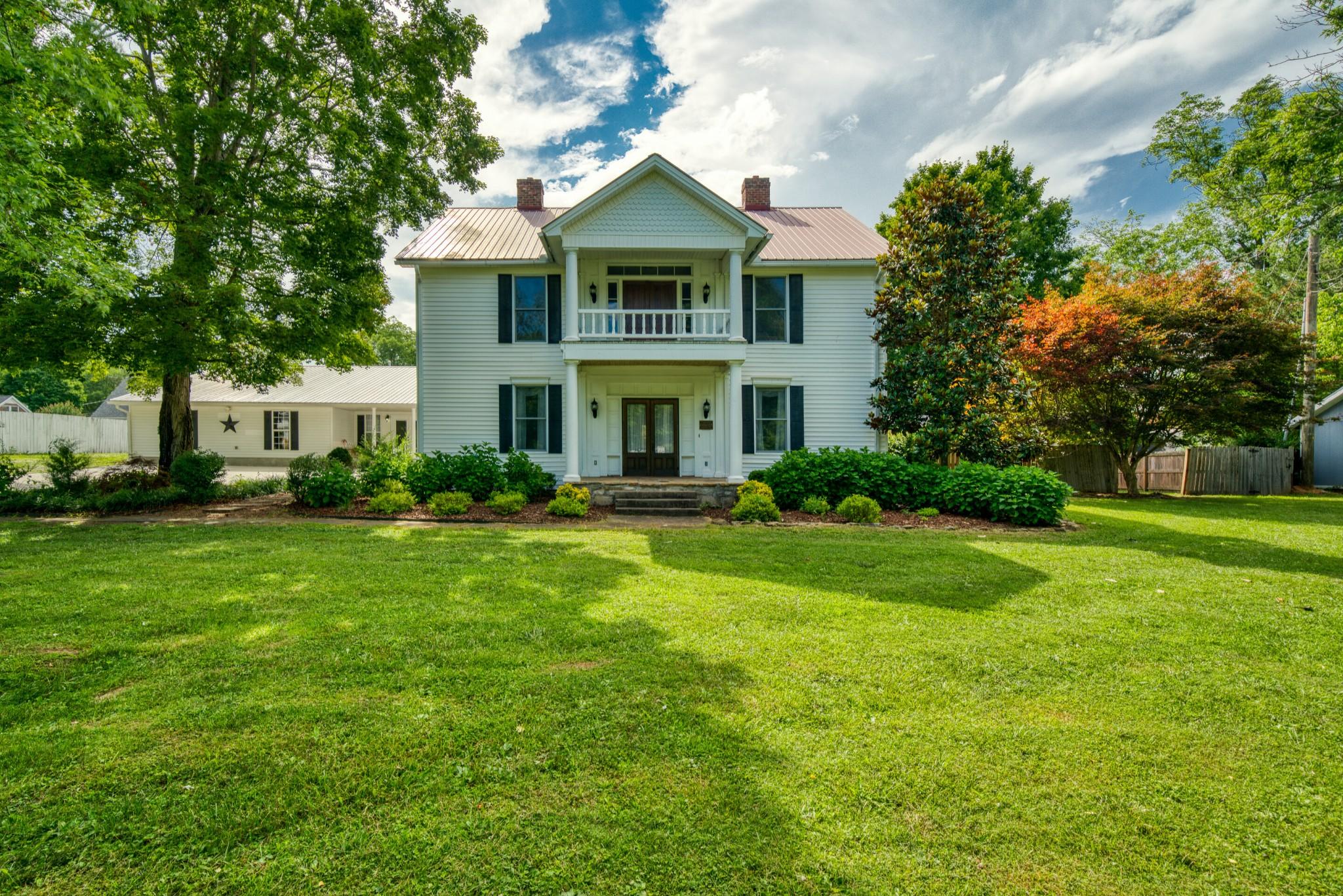 127 N Main St Property Photo - Sparta, TN real estate listing