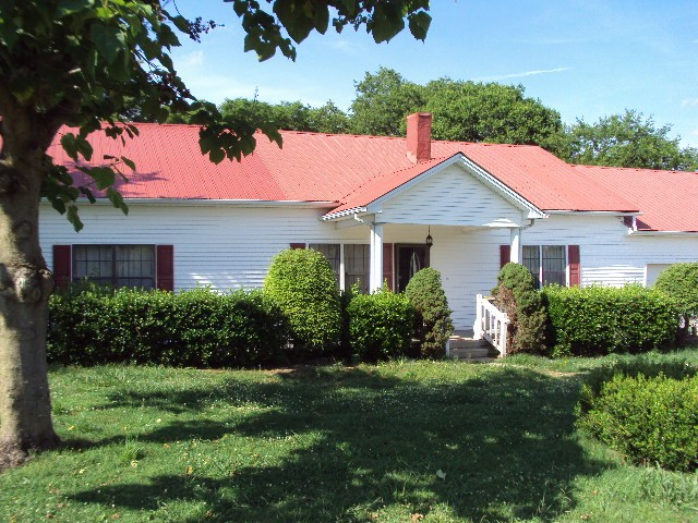 10980 Canoe Branch Rd Property Photo - Castalian Springs, TN real estate listing