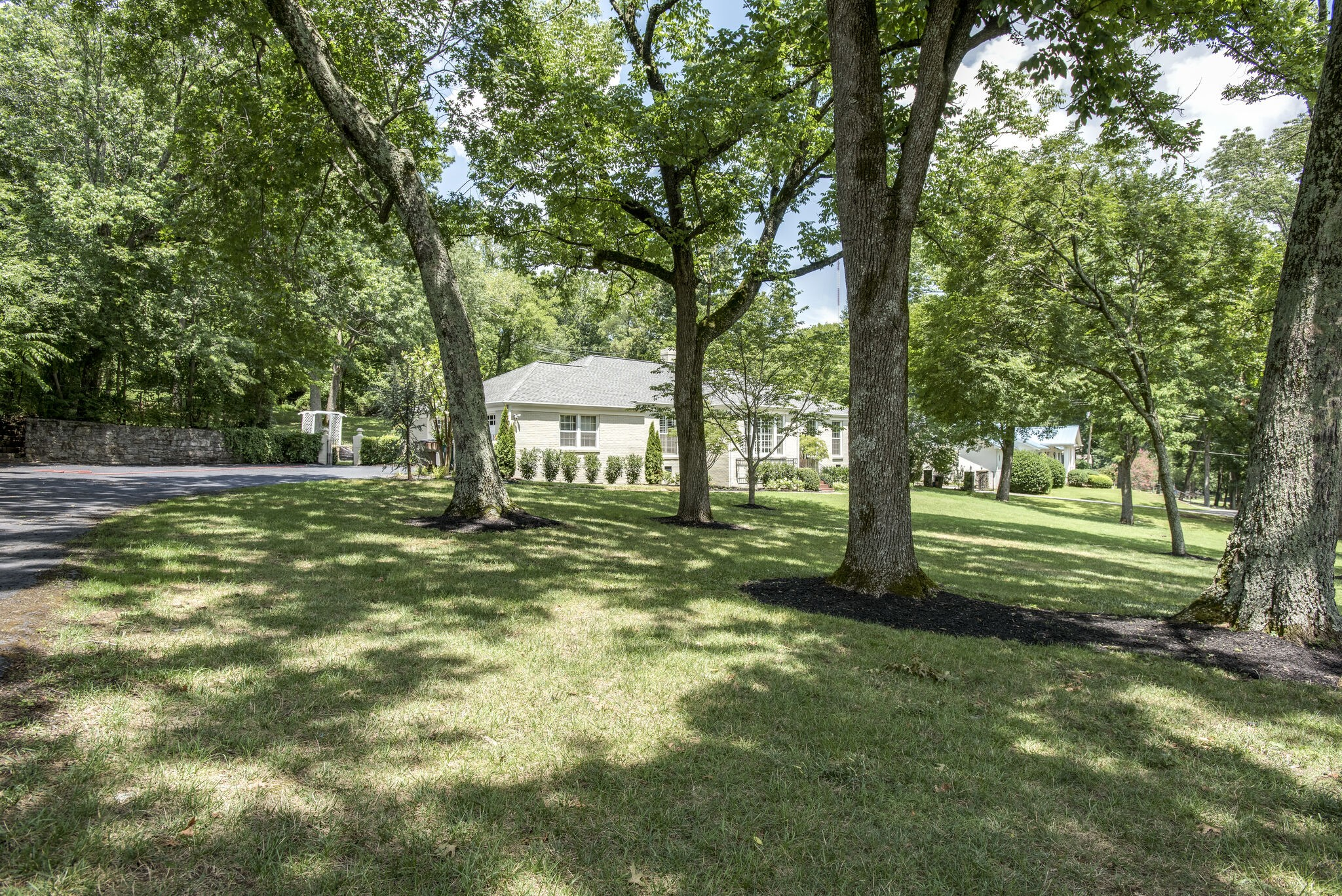 5906 Hickory Valley Rd Property Photo - Nashville, TN real estate listing