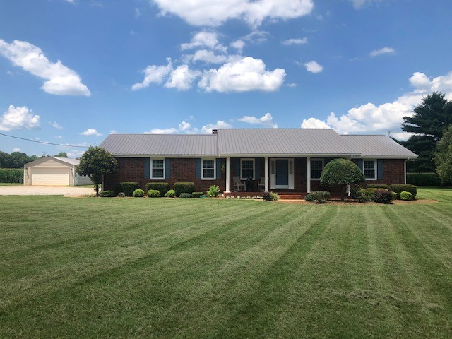 2451 Blue Spring Rd Property Photo - Decherd, TN real estate listing