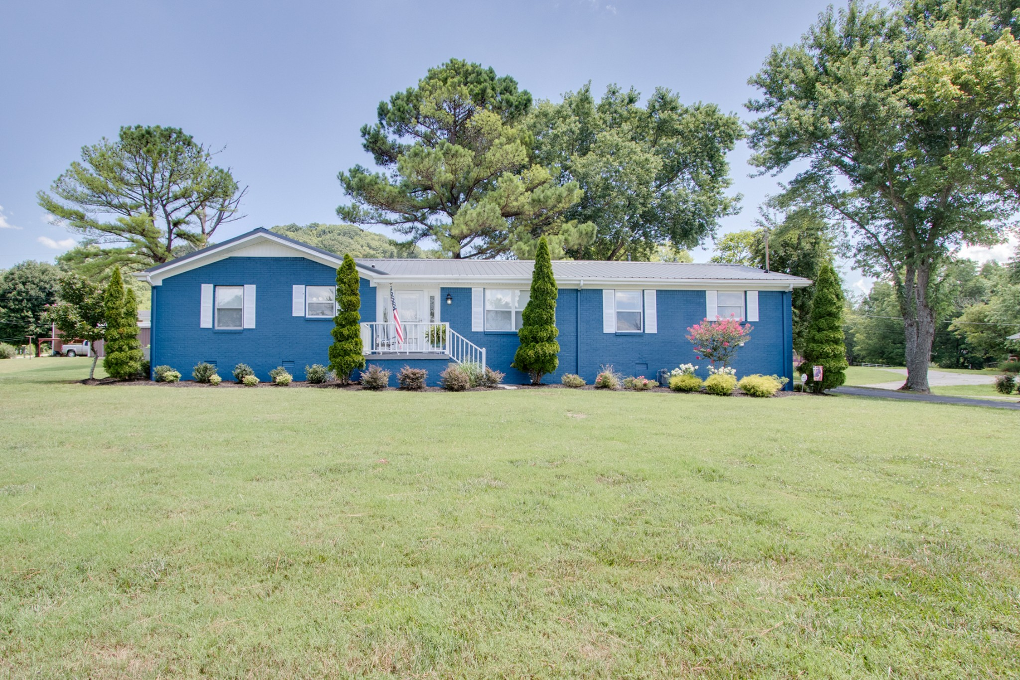 296 Dixon Springs Hwy Property Photo