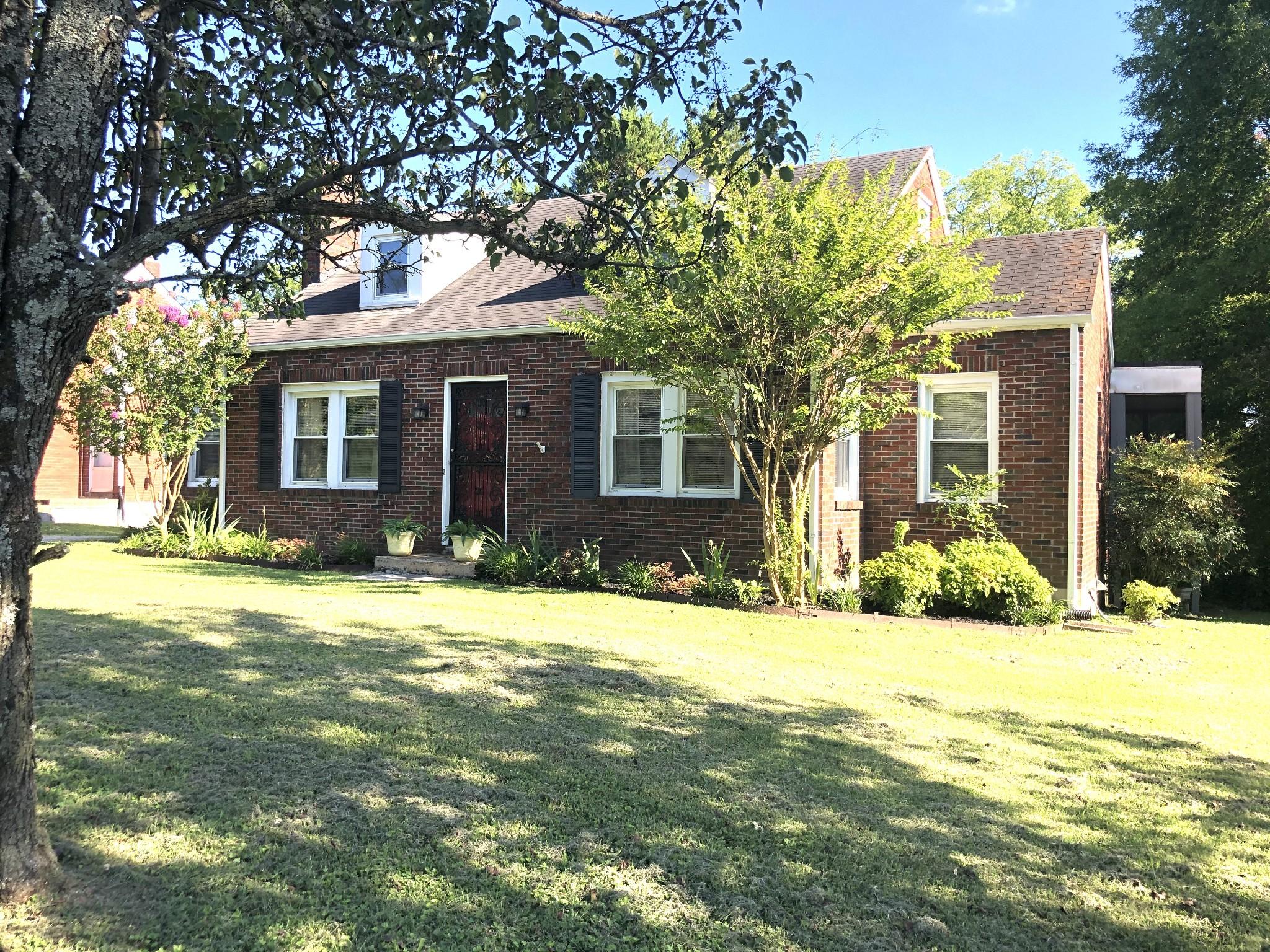 709 E College St Property Photo - Pulaski, TN real estate listing