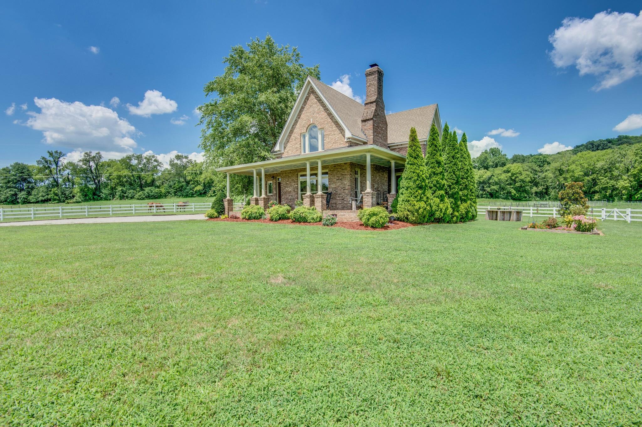 4250 Little Pond Ln Property Photo