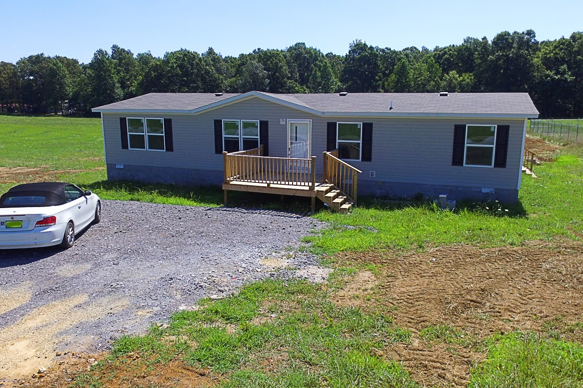 2402 Paul Harrell Road Property Photo - Beechgrove, TN real estate listing