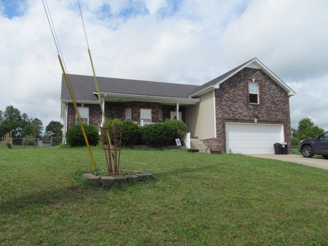 1436 Rustys Ln Property Photo - Clarksville, TN real estate listing