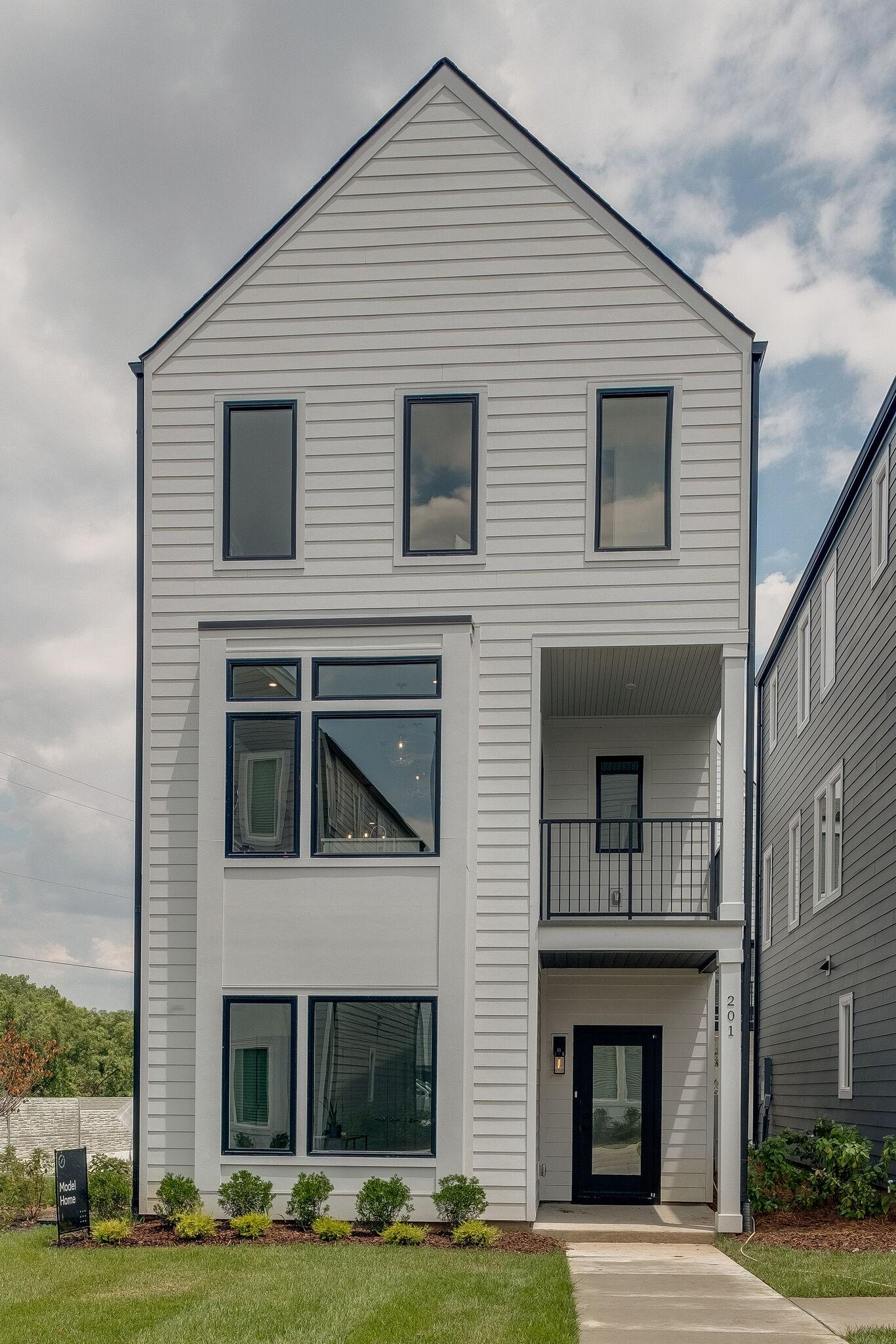 221 Sterling Point Circle Property Photo - Nashville, TN real estate listing