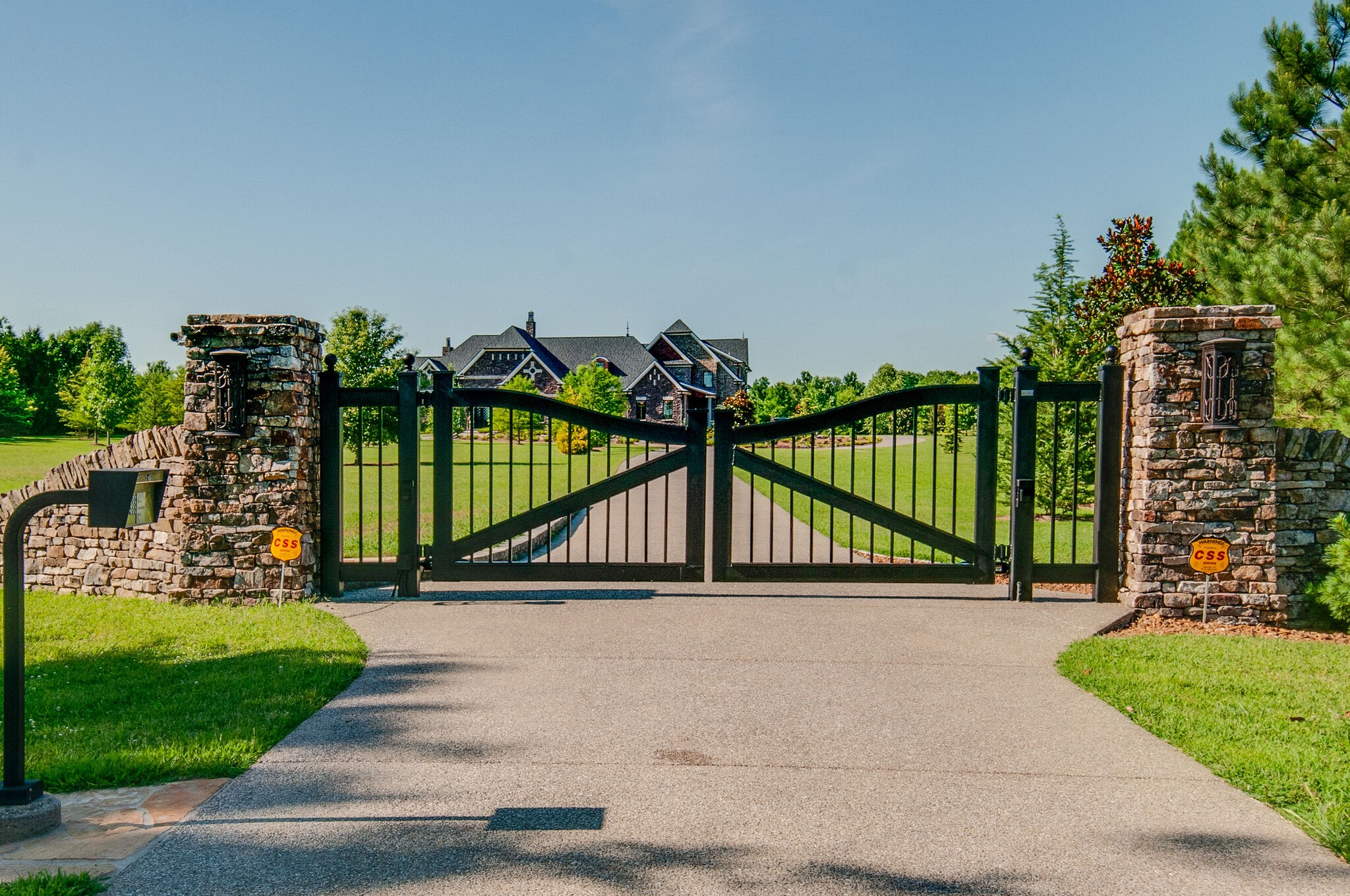 4462 N Chapel Rd Property Photo