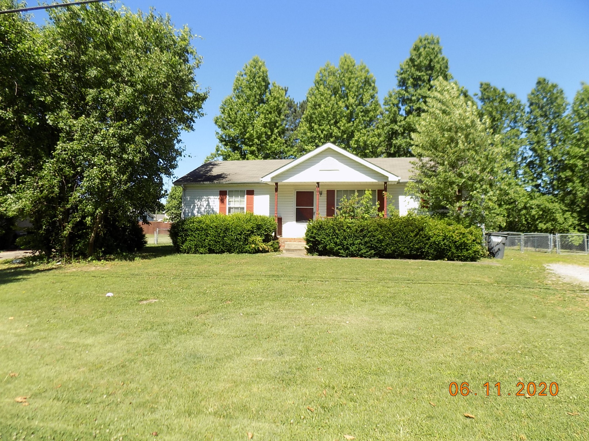 418 Donna Dr Property Photo - Clarksville, TN real estate listing