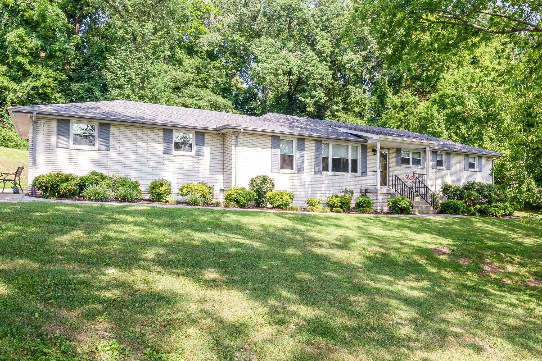5433 Edmondson Pike Property Photo