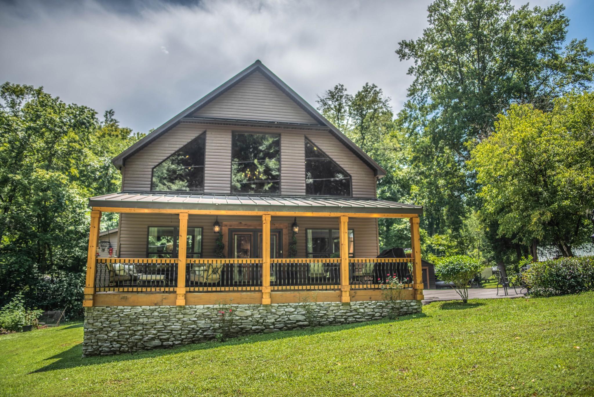 825 Shady Pl Property Photo - Smithville, TN real estate listing