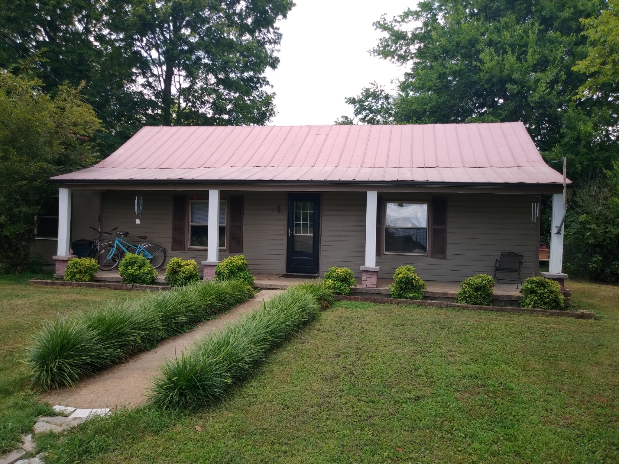 2020 Mosley Ferry Rd Property Photo - Chapmansboro, TN real estate listing