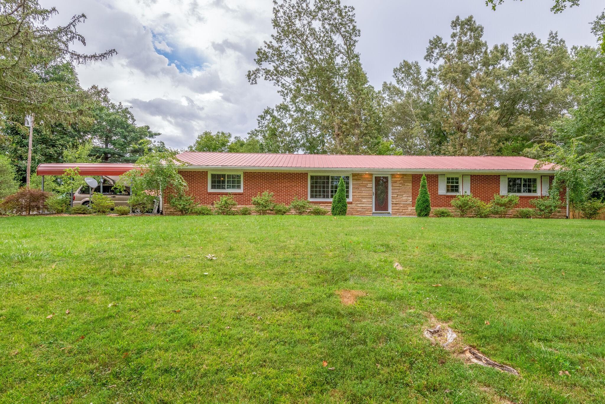 9780 Old Hwy 46 Property Photo - Bon Aqua, TN real estate listing