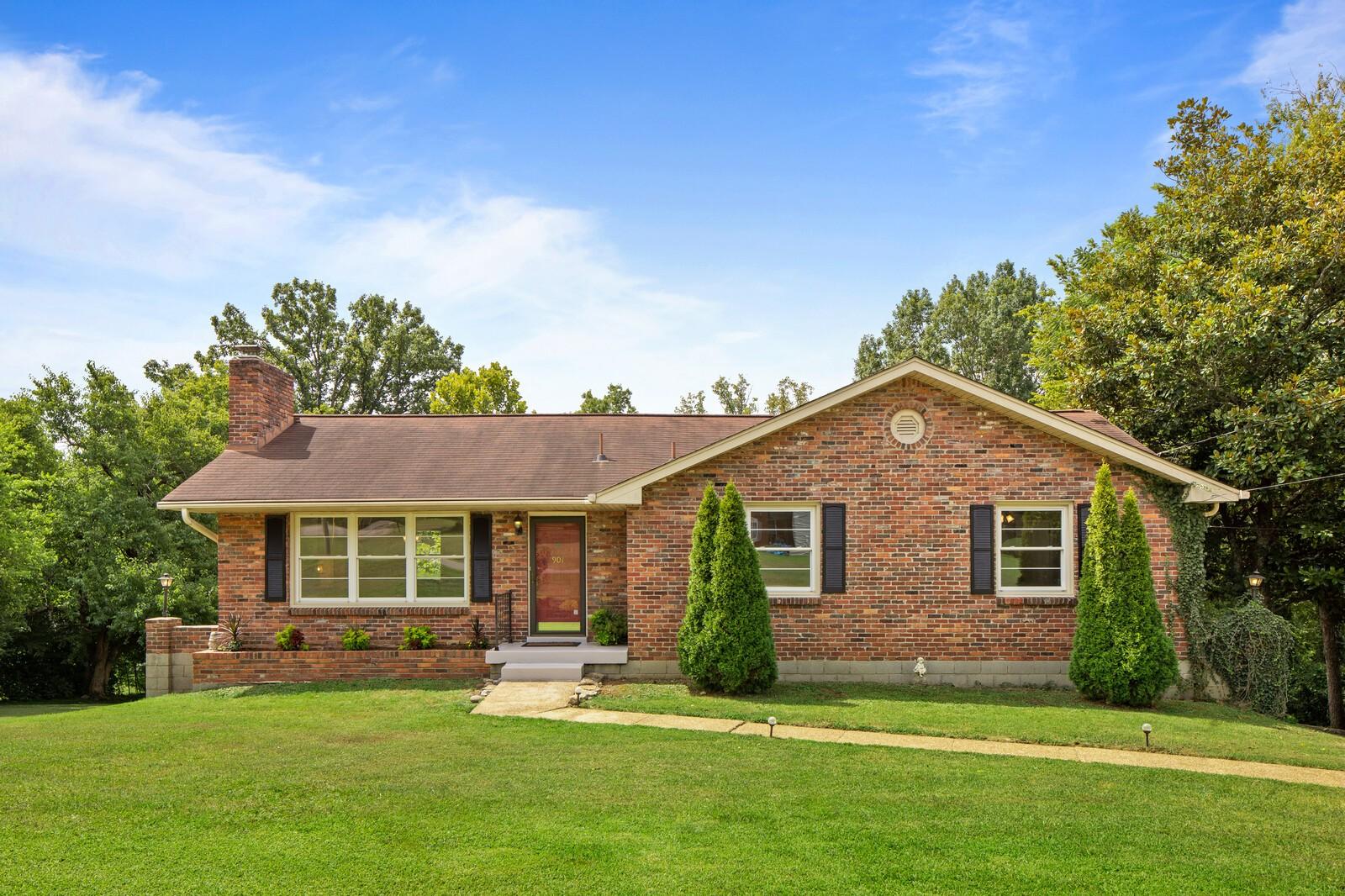 901 Fairoaks Dr Property Photo - Madison, TN real estate listing