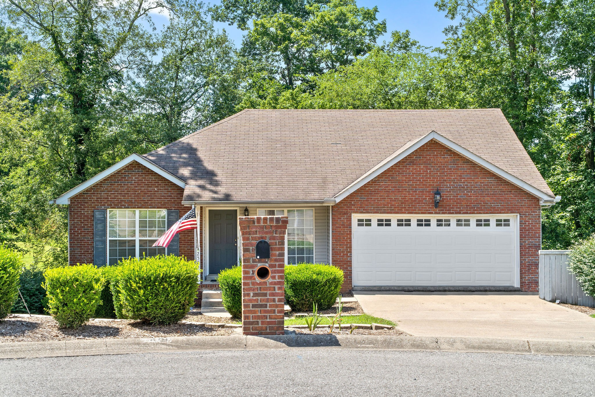 2506 Widgeon Dr Property Photo - Clarksville, TN real estate listing