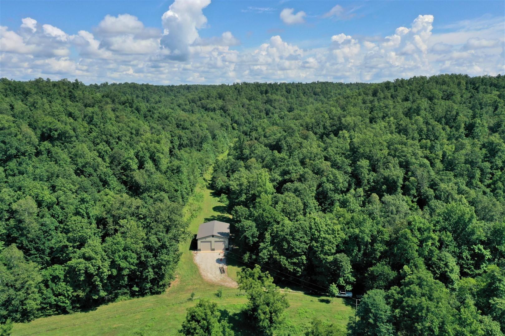 10425 Wind Dancer Lane Property Photo - Bon Aqua, TN real estate listing