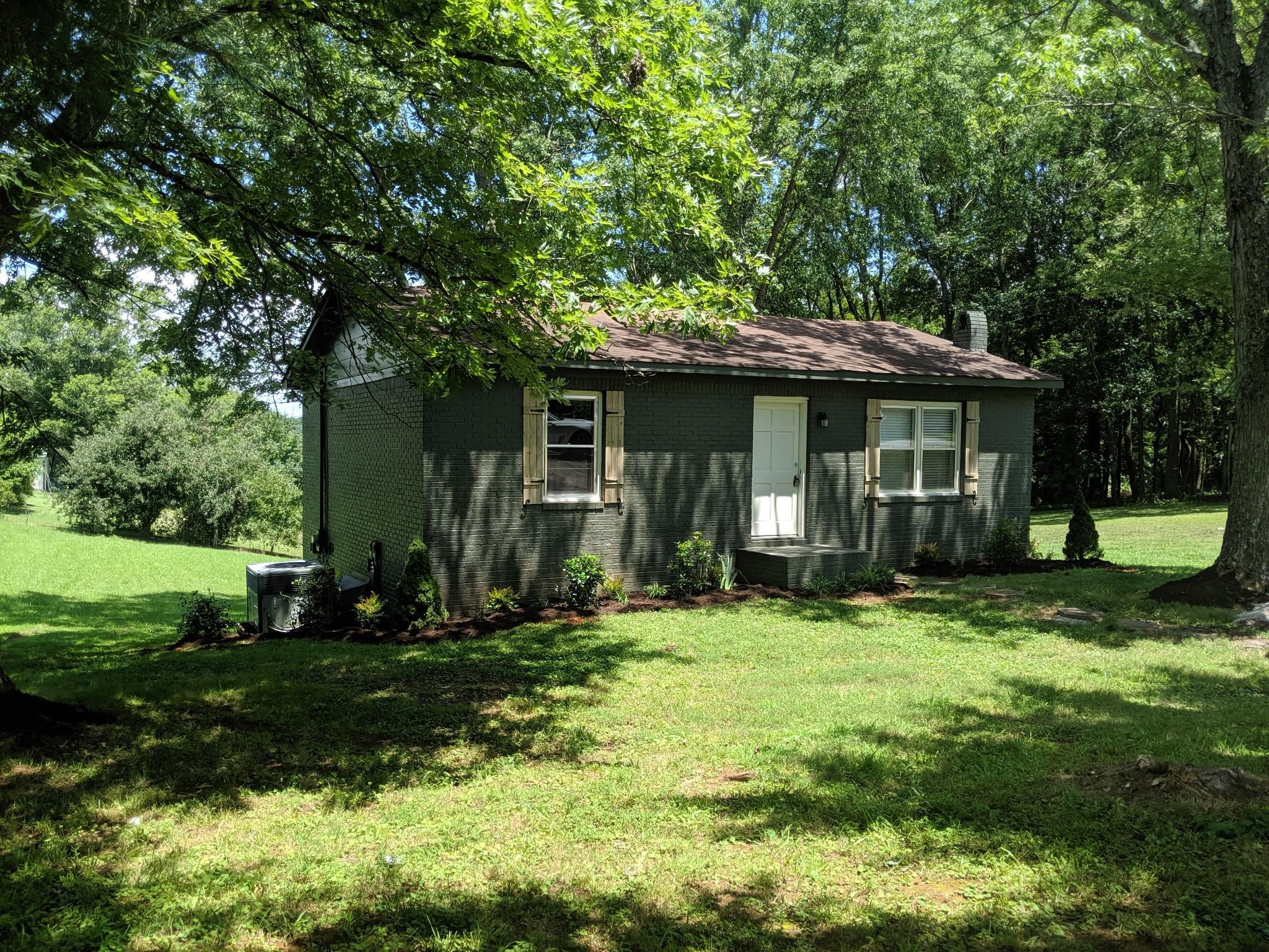 77 Hillcrest Dr Property Photo