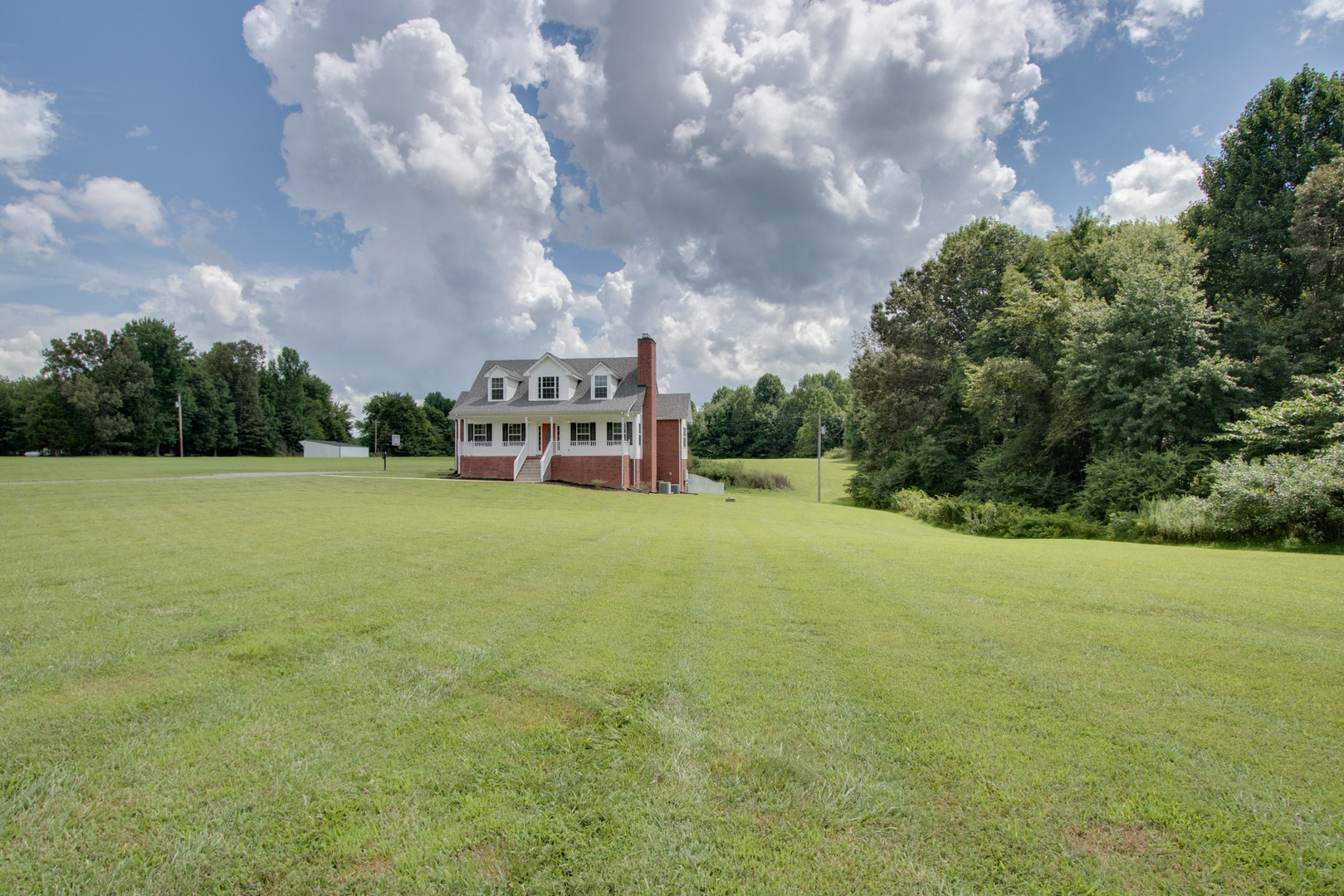 1124 Smith Thompson Rd Property Photo - Bethpage, TN real estate listing