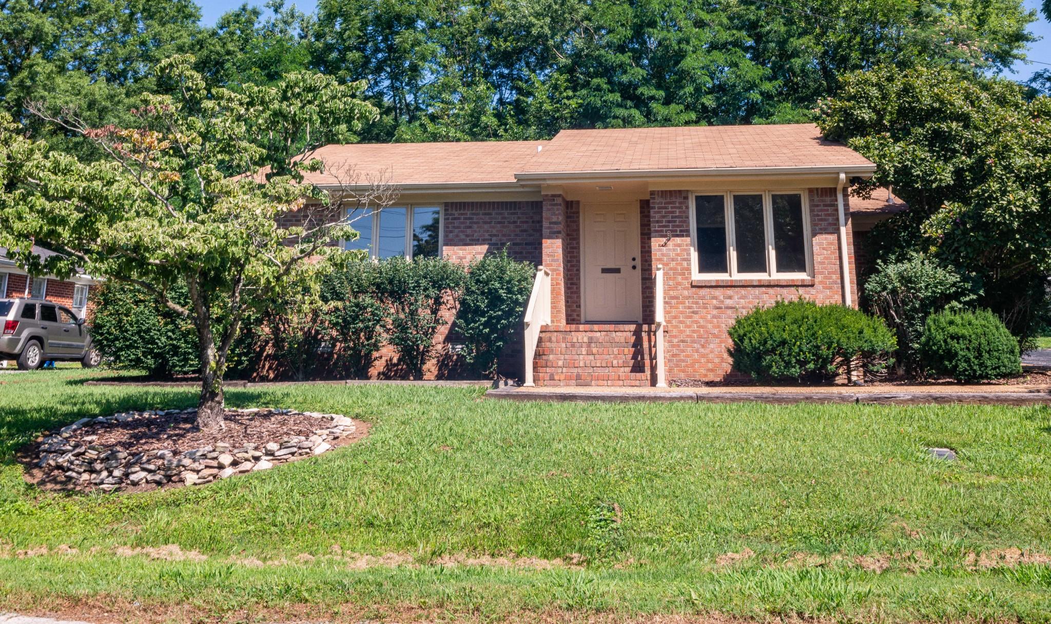 206 W Hogan St Property Photo - Tullahoma, TN real estate listing
