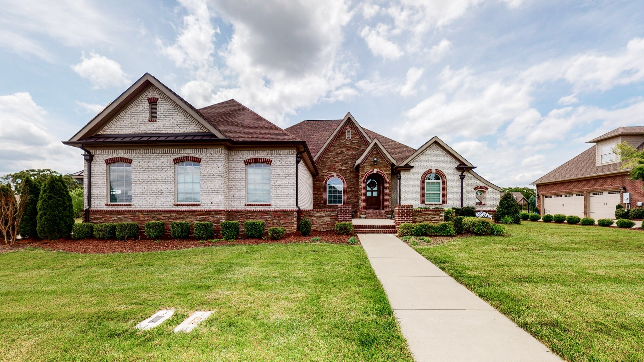 1488 Overlook Pointe Property Photo - Clarksville, TN real estate listing