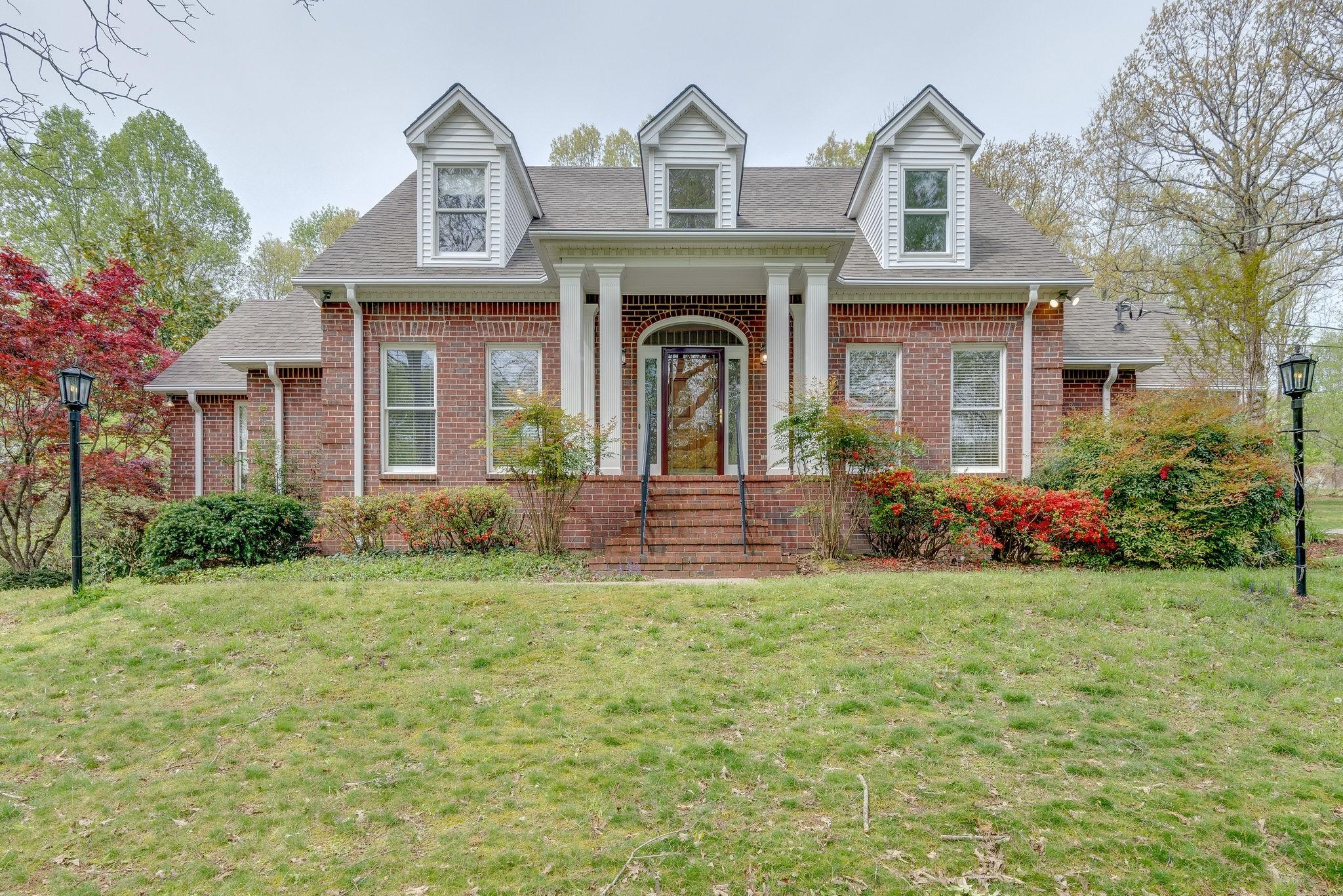 307 Beechwood Dr, NE Property Photo - Burns, TN real estate listing