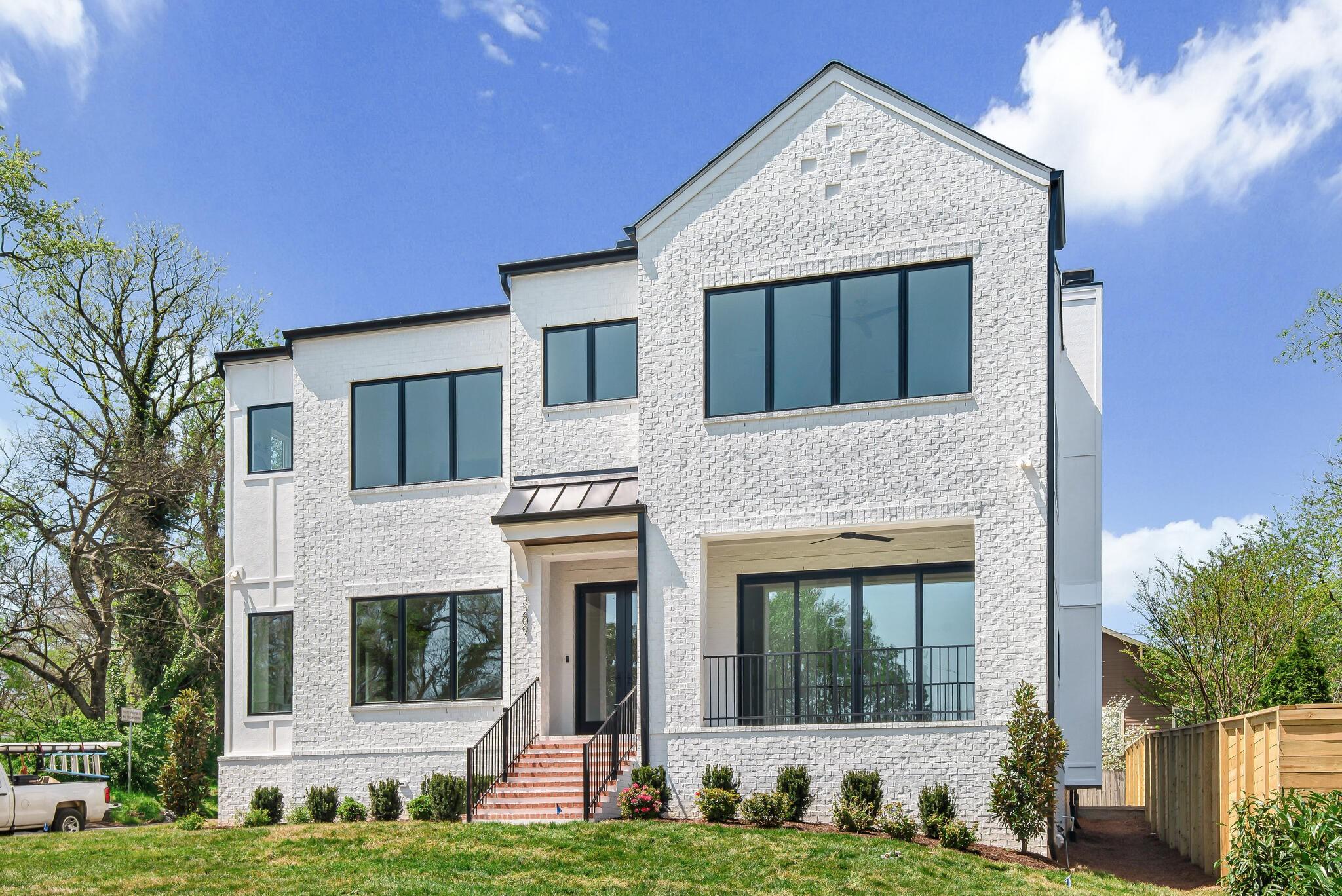 3209 Granny White Pike Property Photo - Nashville, TN real estate listing